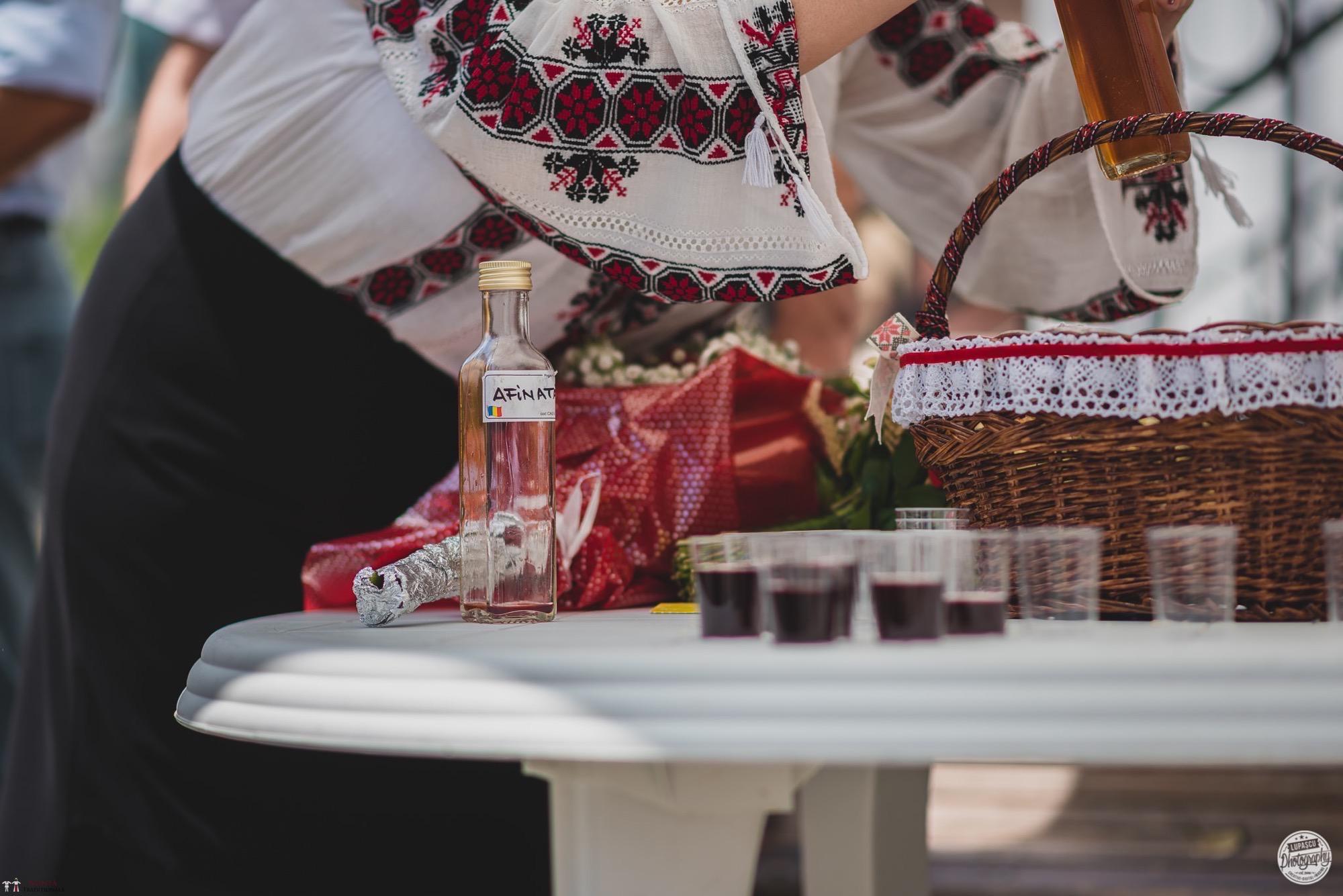 Povești Nunți Tradiționale - Georgiana și Adrian. Nuntă tradițională în București. 23
