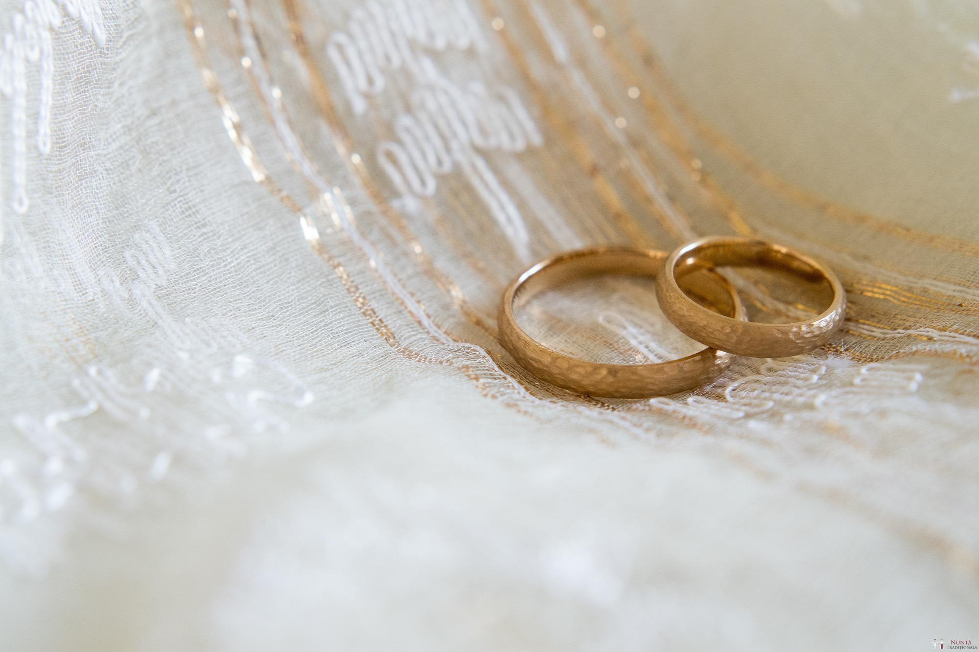 Povești Nunți Tradiționale - Ioana și Andrei. Nuntă tradițională în București.