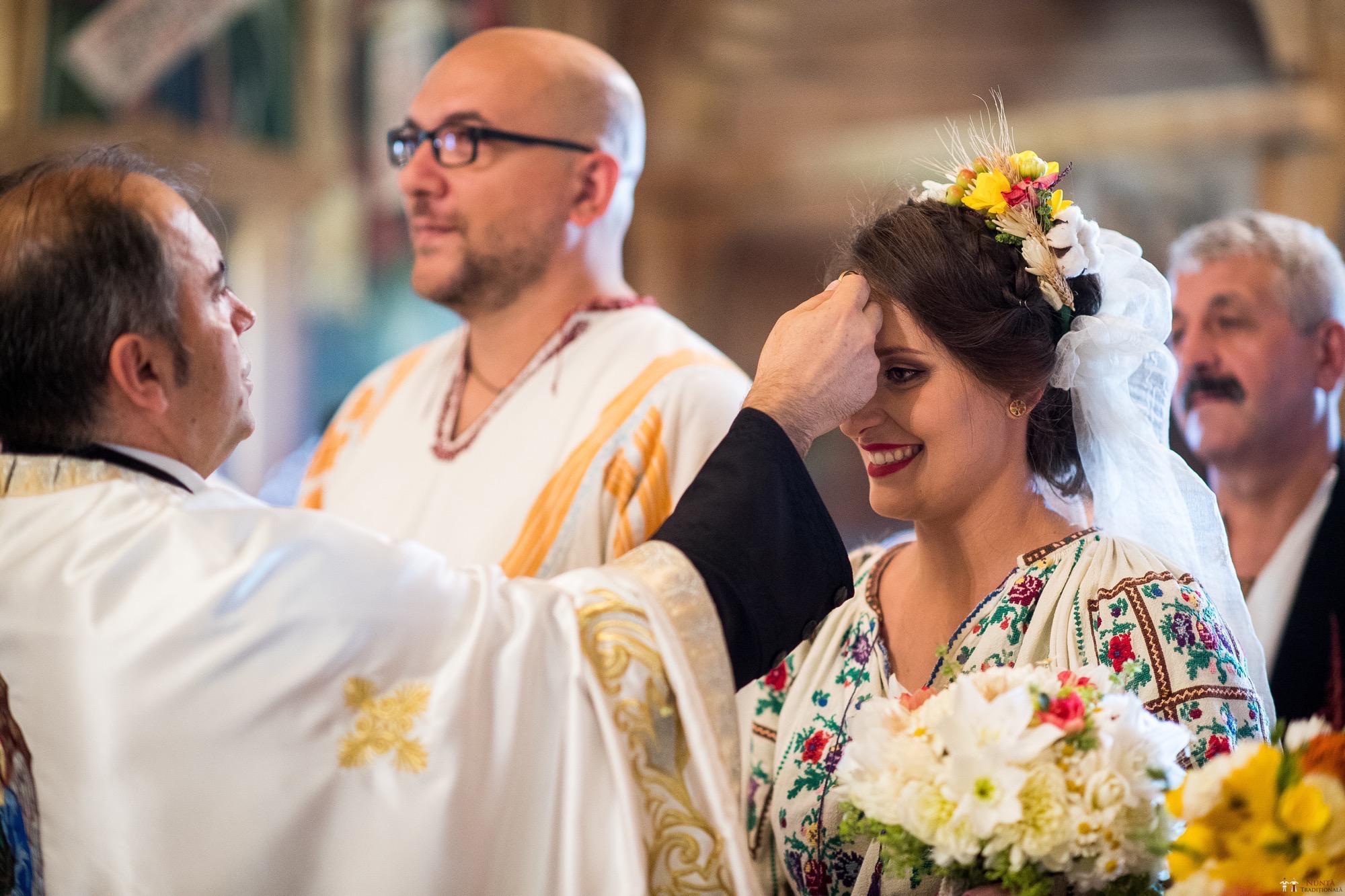 Povești Nunți Tradiționale - Ioana și Andrei. Nuntă tradițională în București. 19