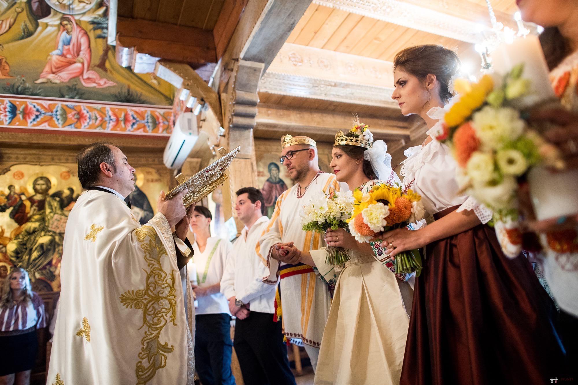 Povești Nunți Tradiționale - Ioana și Andrei. Nuntă tradițională în București. 24