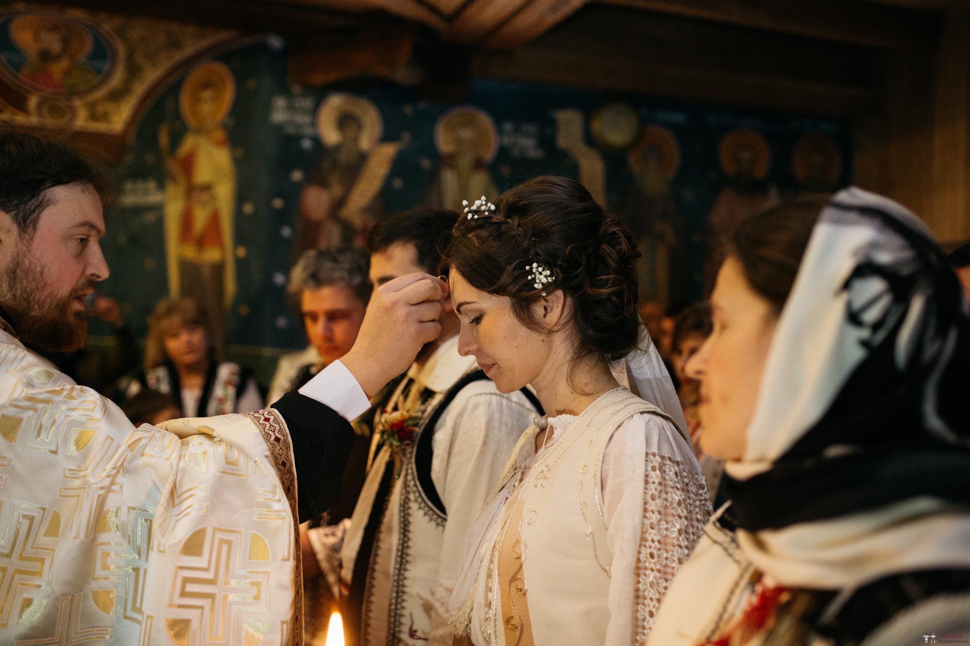 Povești Nunți Tradiționale - Gabriela și Adrian. Nuntă tradițională în Piatra Neamț 14