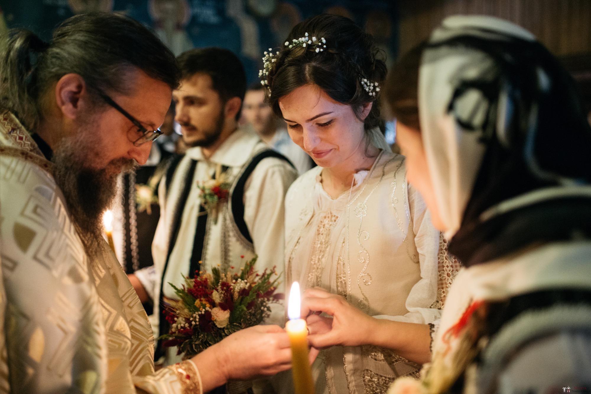 Povești Nunți Tradiționale - Gabriela și Adrian. Nuntă tradițională în Piatra Neamț 15