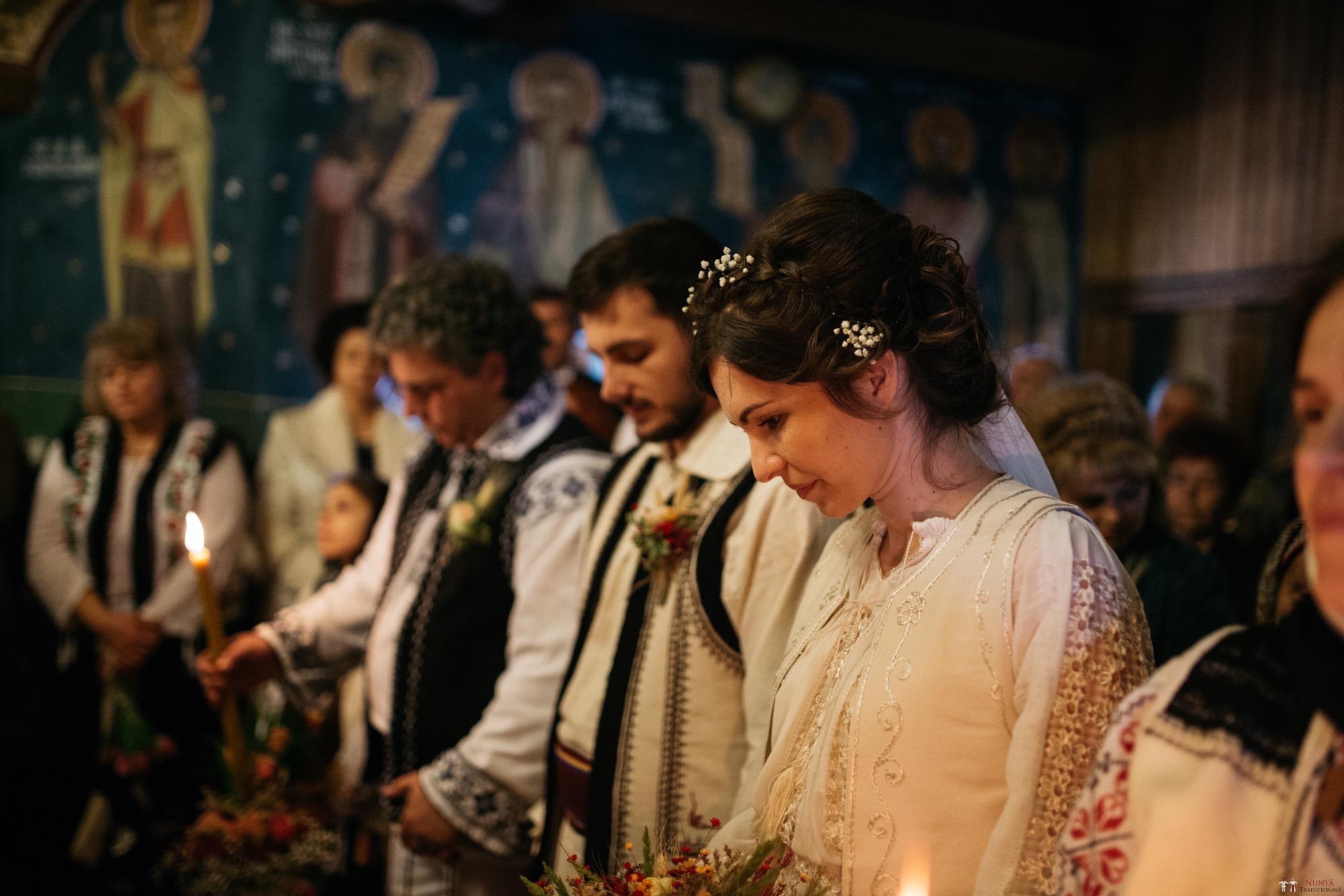 Povești Nunți Tradiționale - Gabriela și Adrian. Nuntă tradițională în Piatra Neamț 17