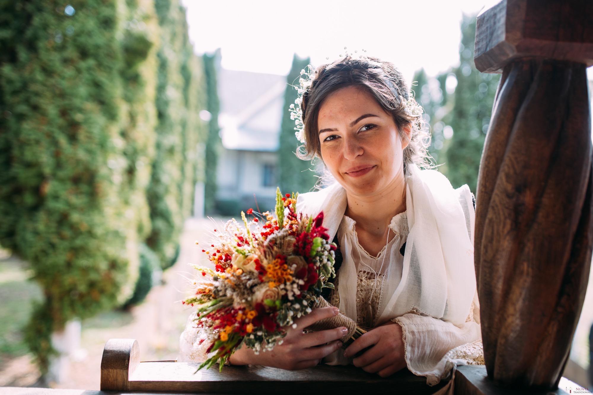 Povești Nunți Tradiționale - Gabriela și Adrian. Nuntă tradițională în Piatra Neamț 1
