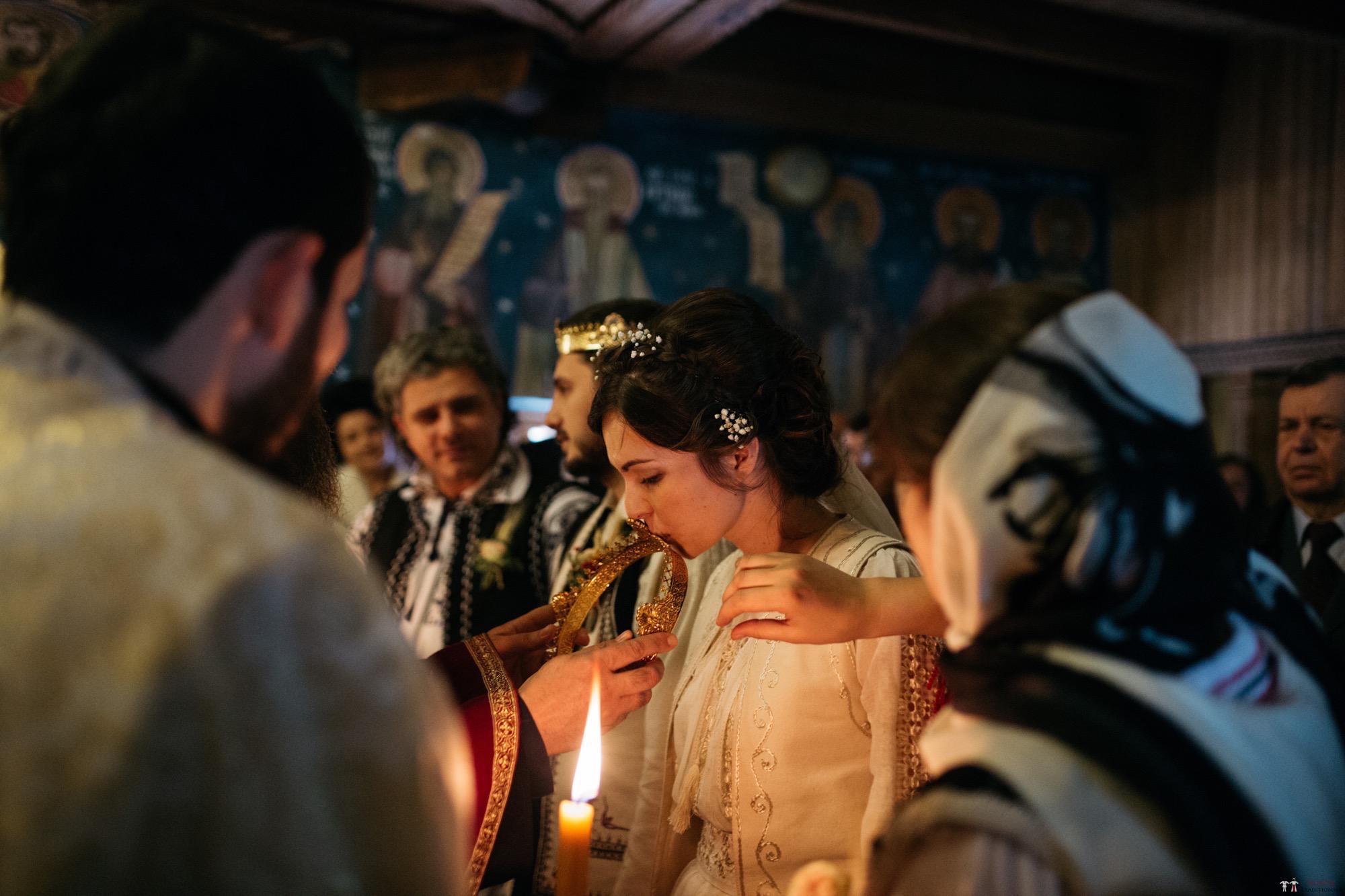 Povești Nunți Tradiționale - Gabriela și Adrian. Nuntă tradițională în Piatra Neamț 21