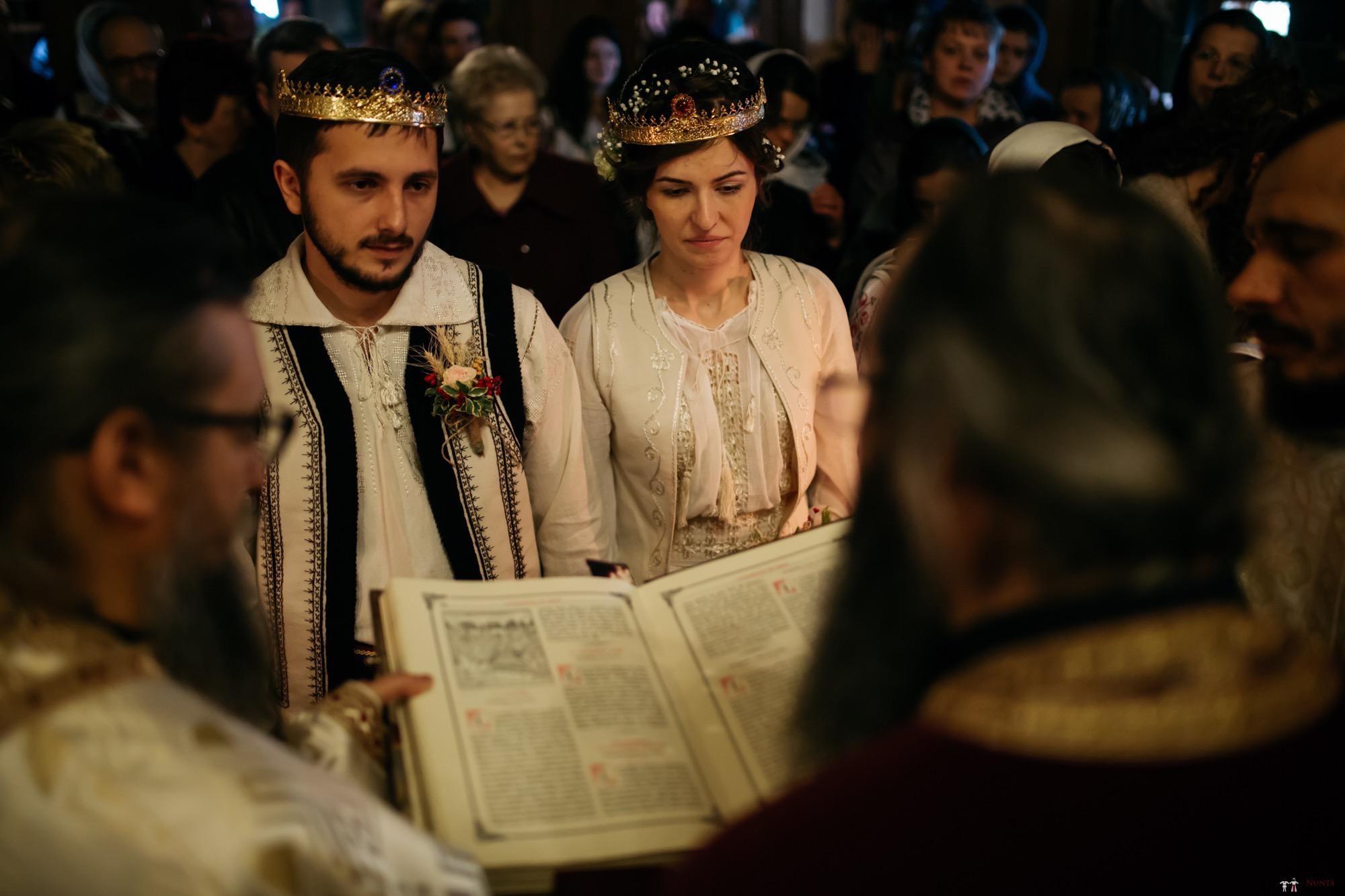 Povești Nunți Tradiționale - Gabriela și Adrian. Nuntă tradițională în Piatra Neamț 23