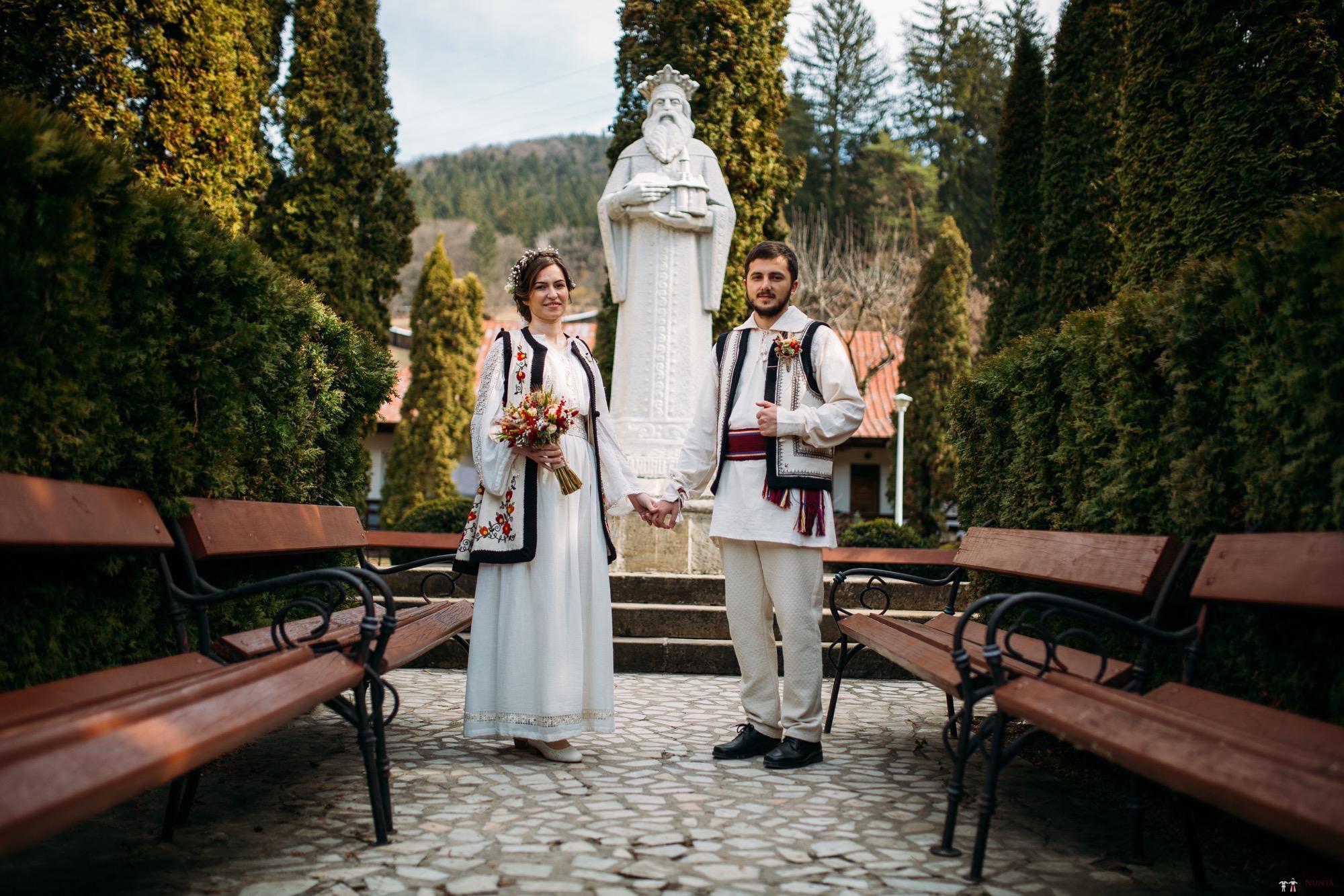 Povești Nunți Tradiționale - Gabriela și Adrian. Nuntă tradițională în Piatra Neamț 2