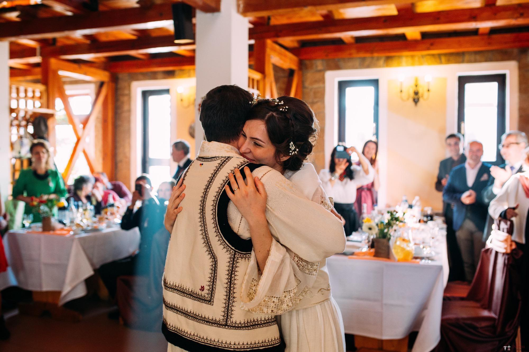 Povești Nunți Tradiționale - Gabriela și Adrian. Nuntă tradițională în Piatra Neamț 32