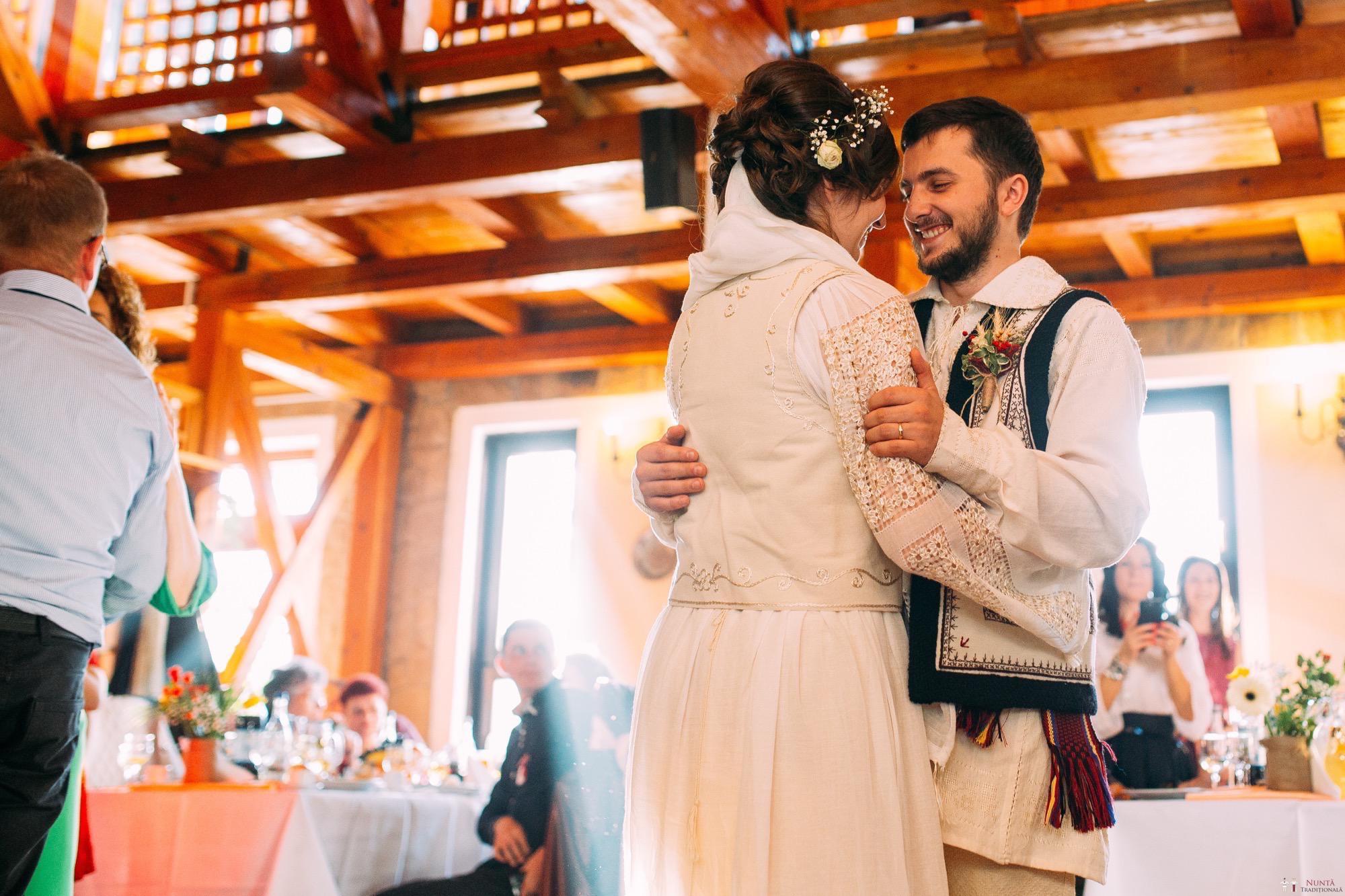 Povești Nunți Tradiționale - Gabriela și Adrian. Nuntă tradițională în Piatra Neamț 33