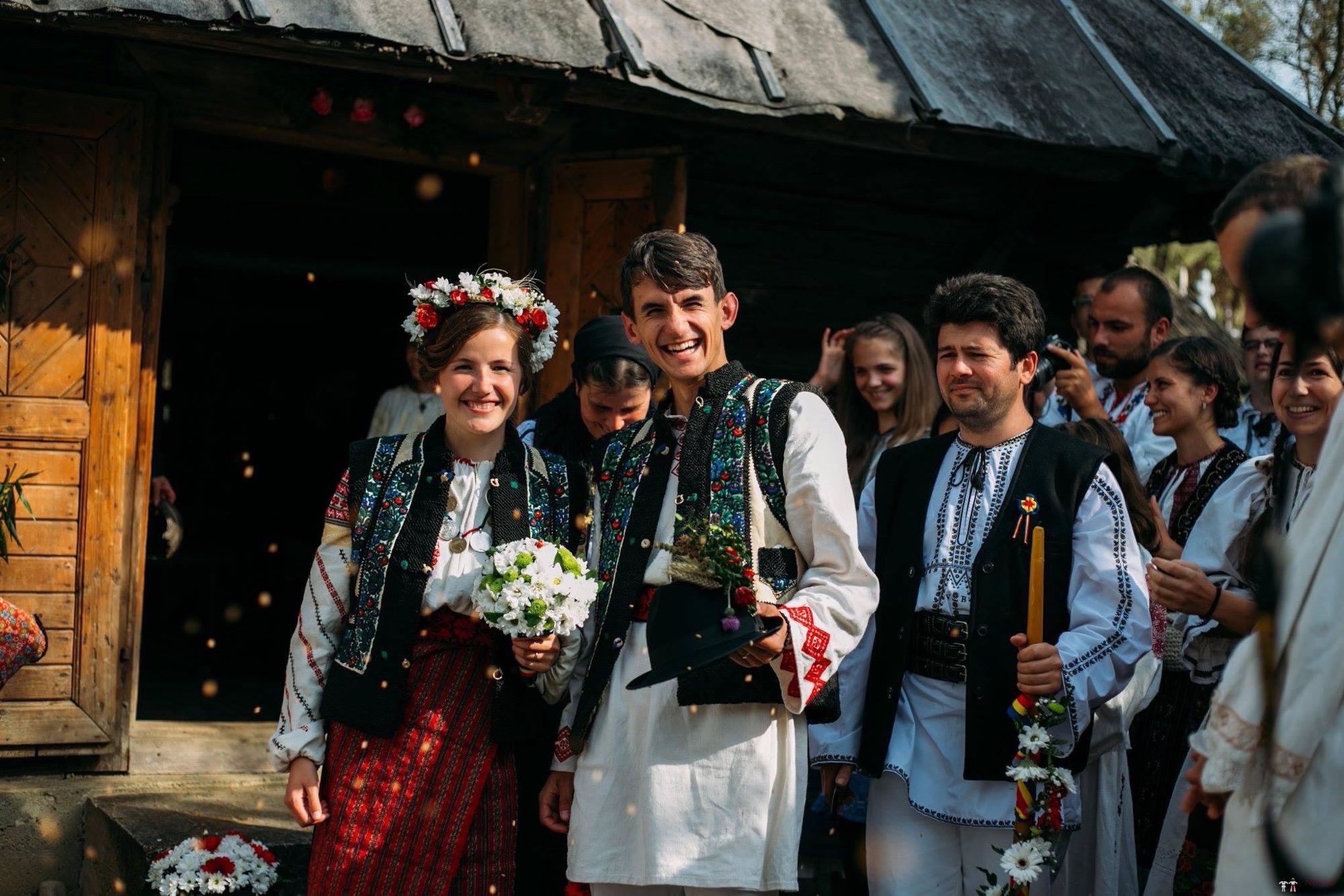 Povești Nunți Tradiționale - Andreea și Sergiu. Nuntă tradițională în Alba-Iulia