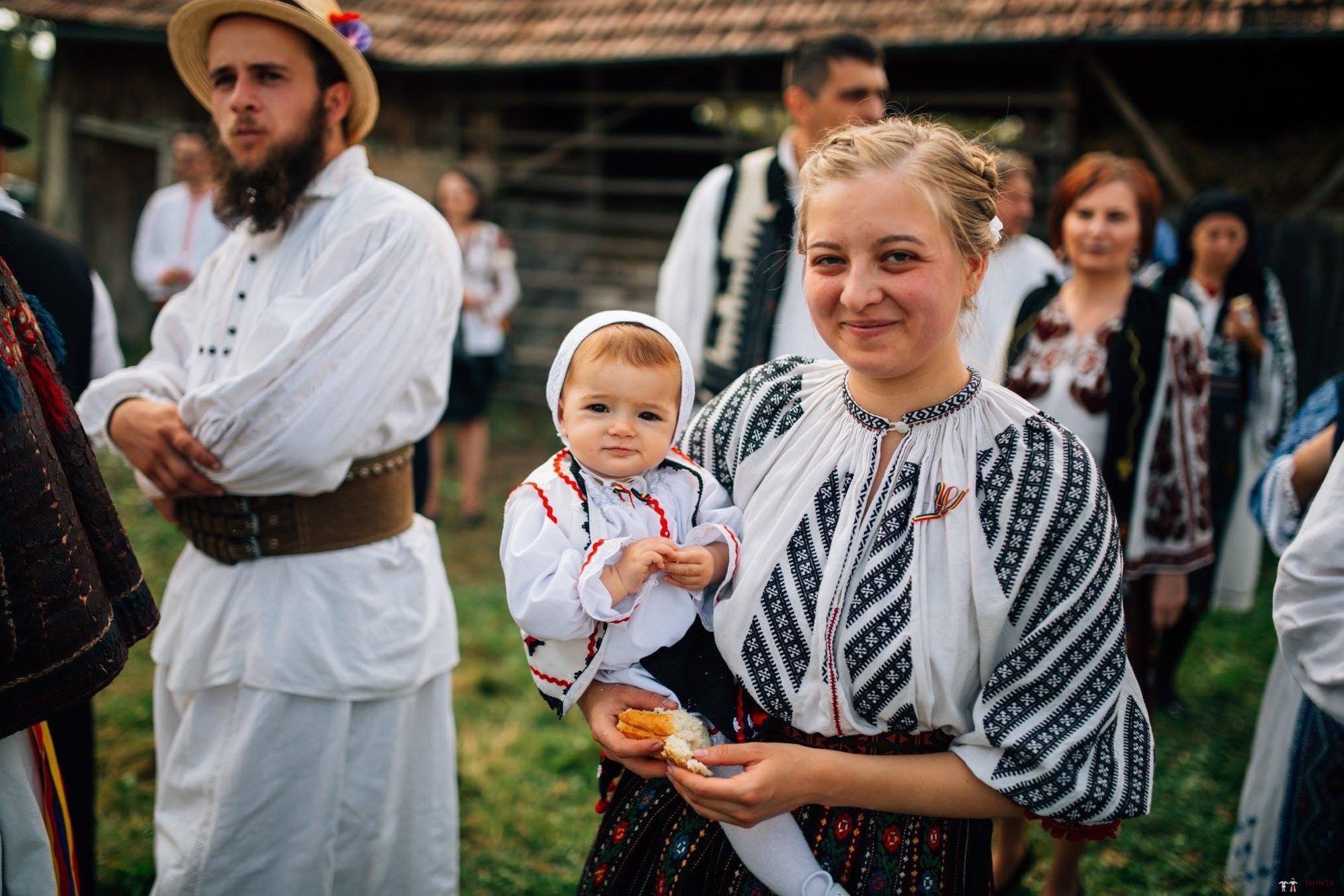 Povești Nunți Tradiționale - Andreea și Sergiu. Nuntă tradițională în Alba-Iulia 11