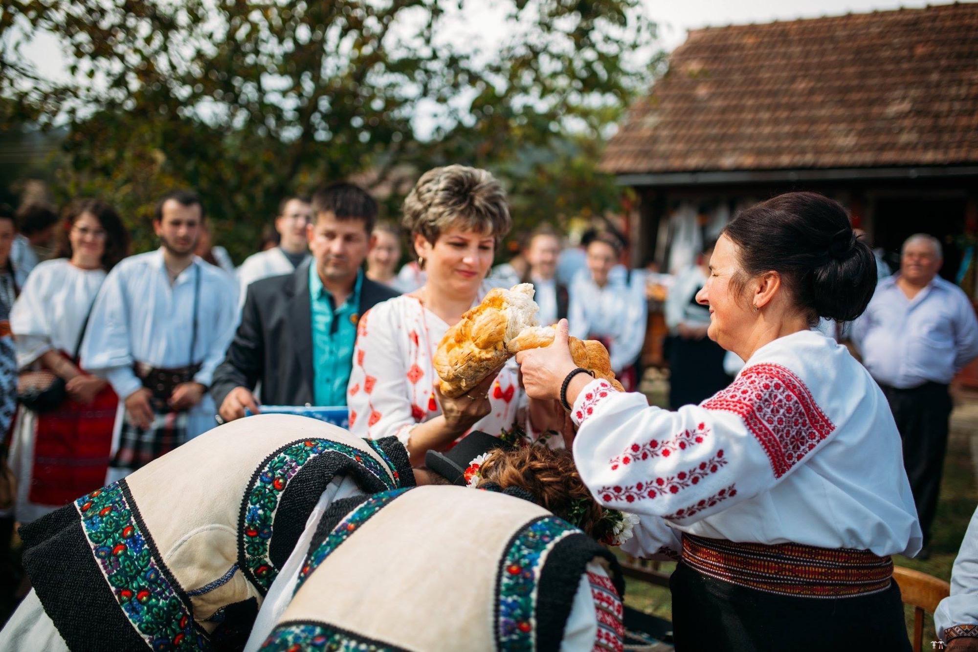 Povești Nunți Tradiționale - Andreea și Sergiu. Nuntă tradițională în Alba-Iulia 13