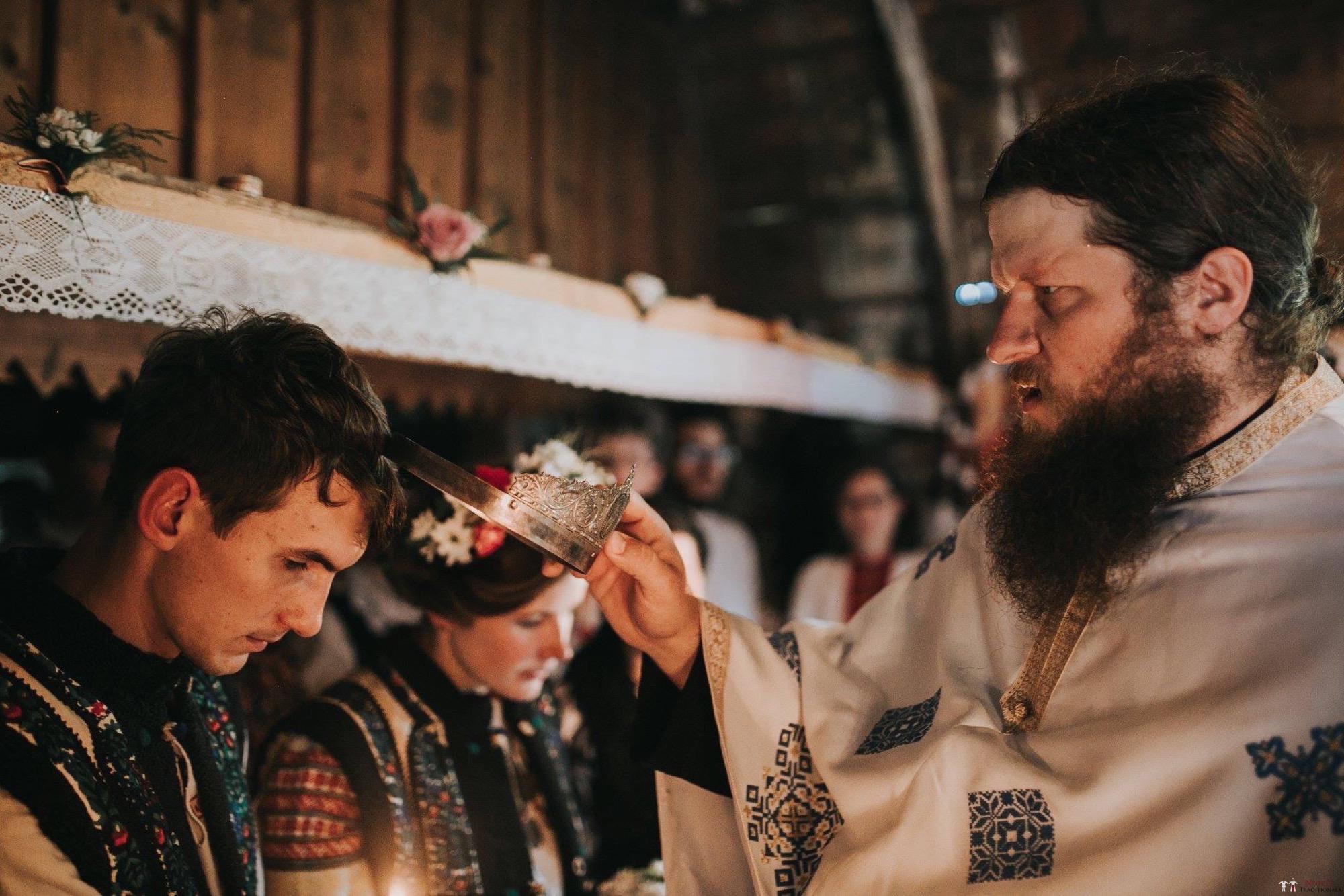 Povești Nunți Tradiționale - Andreea și Sergiu. Nuntă tradițională în Alba-Iulia 30