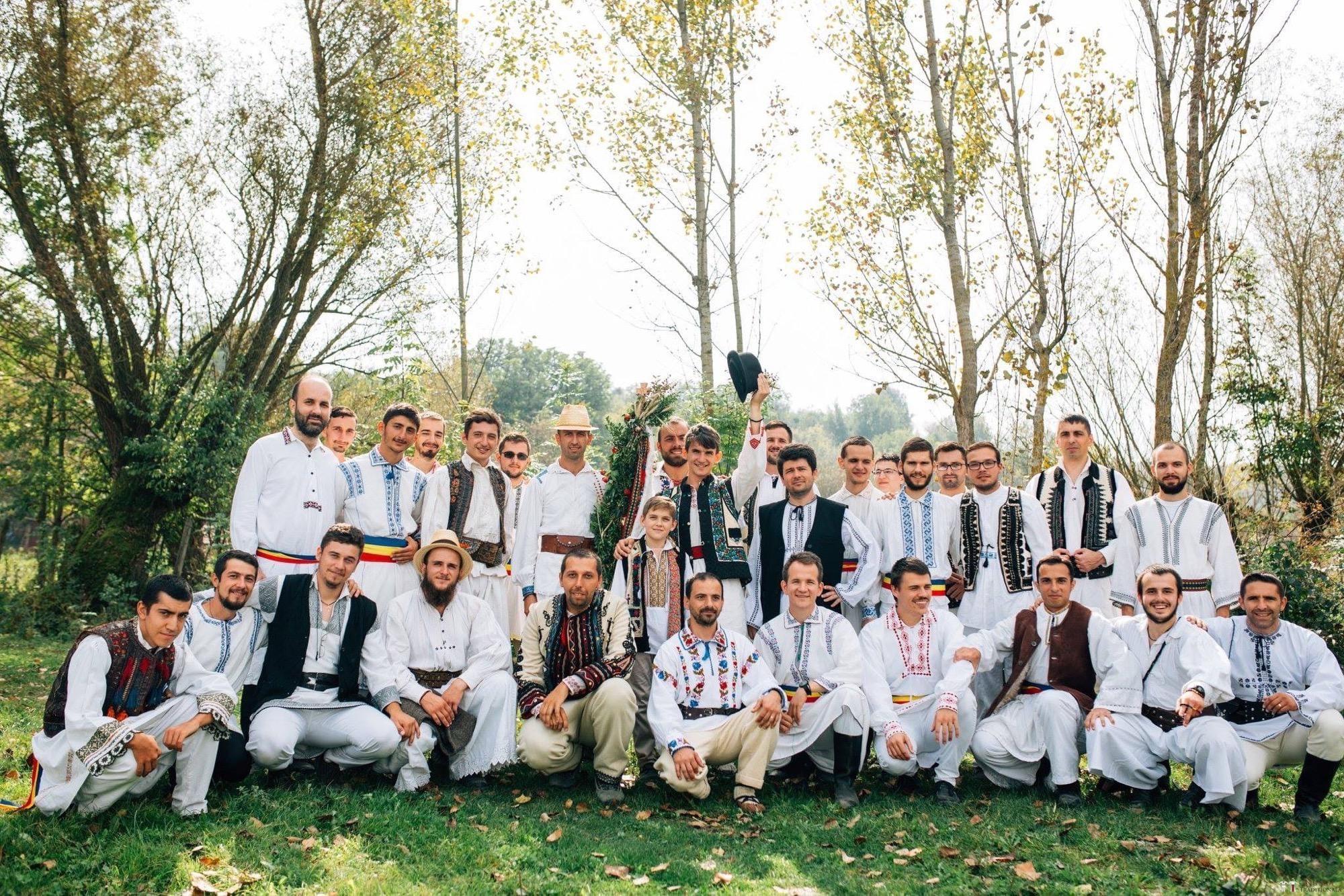 Povești Nunți Tradiționale - Andreea și Sergiu. Nuntă tradițională în Alba-Iulia 35