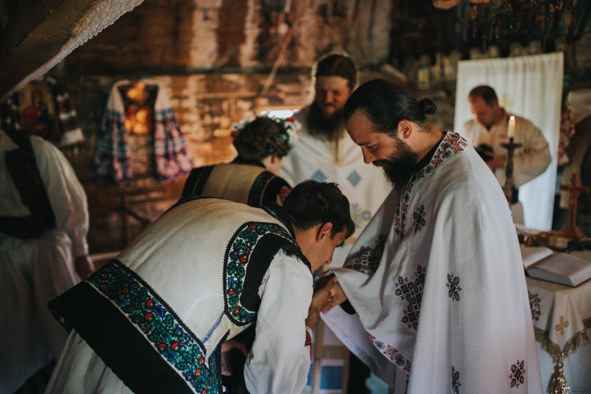 Povești Nunți Tradiționale - Andreea și Sergiu. Nuntă tradițională în Alba-Iulia 37