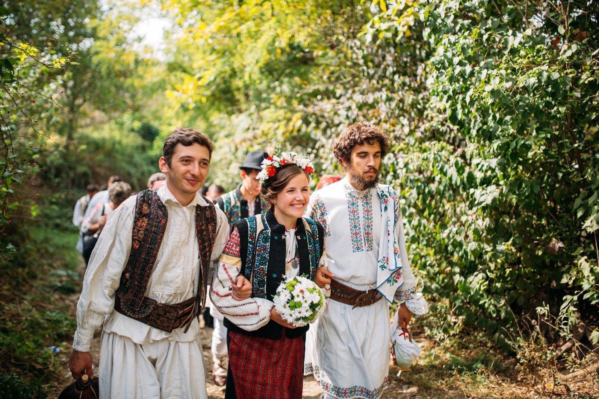 Povești Nunți Tradiționale - Andreea și Sergiu. Nuntă tradițională în Alba-Iulia 40