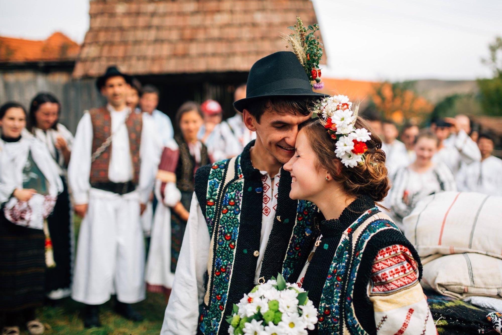 Povești Nunți Tradiționale - Andreea și Sergiu. Nuntă tradițională în Alba-Iulia 42