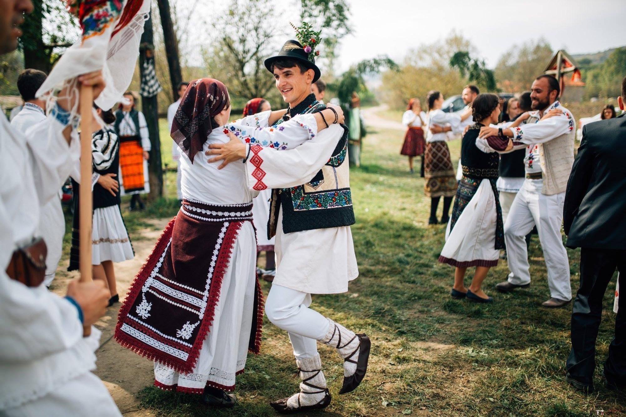 Povești Nunți Tradiționale - Andreea și Sergiu. Nuntă tradițională în Alba-Iulia 8