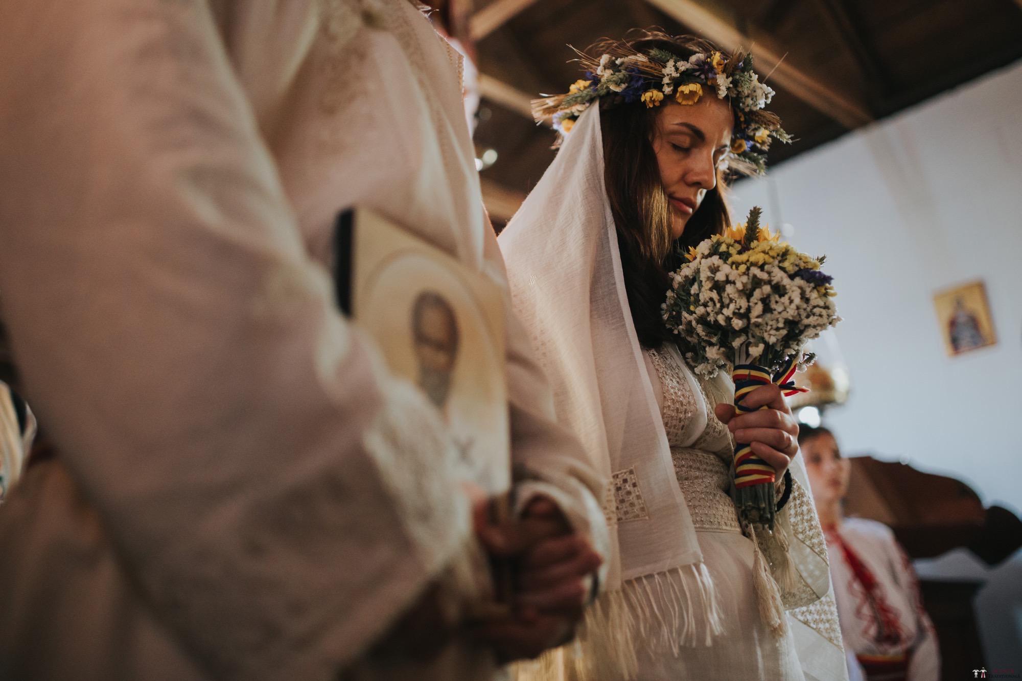 Povești Nunți Tradiționale - Gabriela și Iulian. Nuntă românească în Belgia. 33