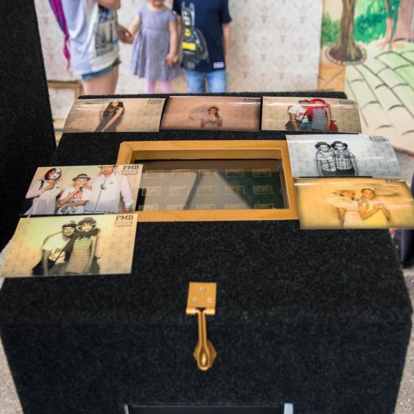 FLASHBOX Photo Booth