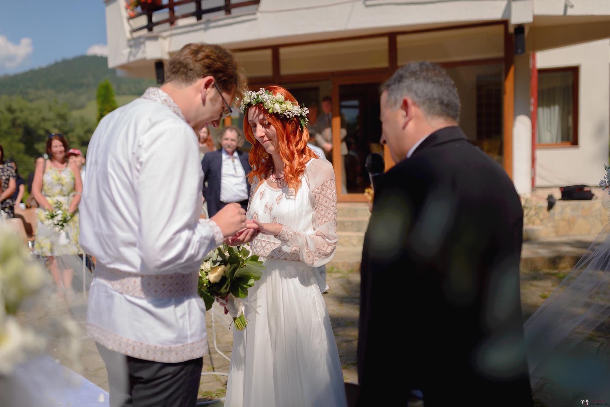 Povești Nunți Tradiționale - Aurelian și Sonia. Nuntă tradițională în Câmpulung Moldovenesc 13