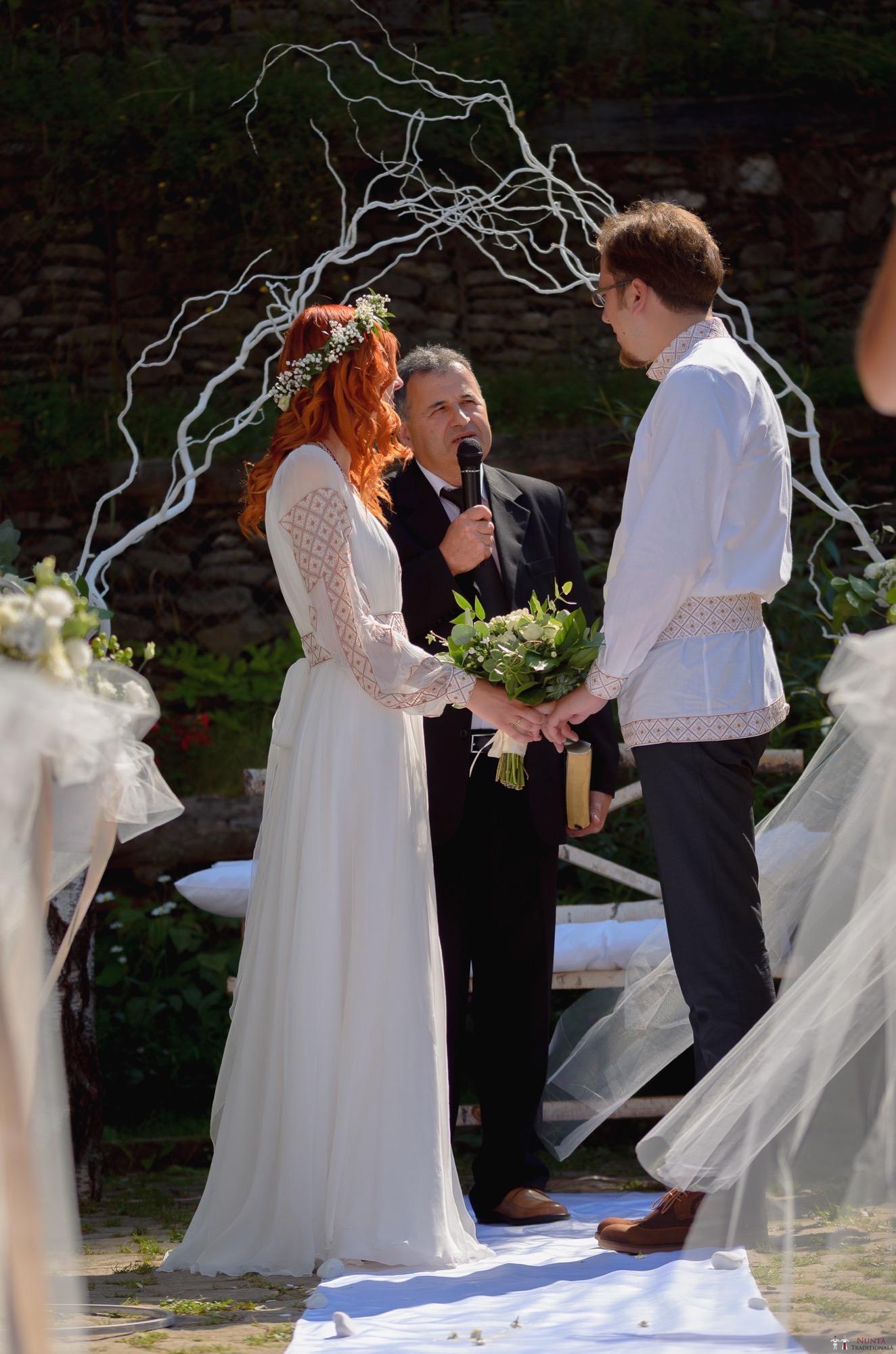 Povești Nunți Tradiționale - Aurelian și Sonia. Nuntă tradițională în Câmpulung Moldovenesc 15
