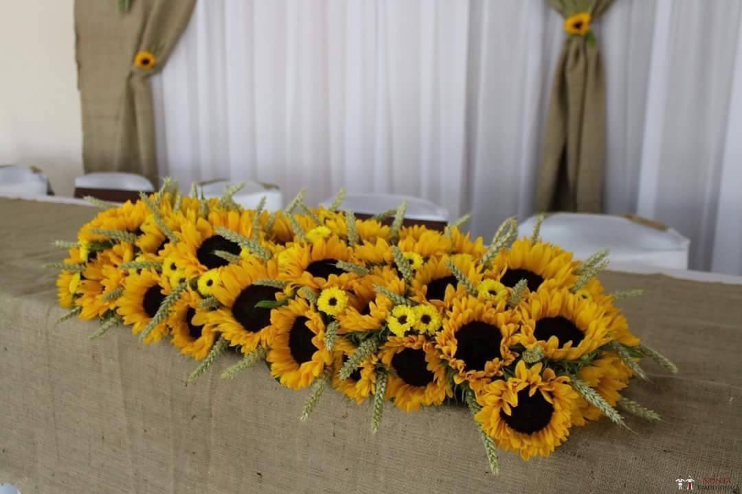 Idei și Sfaturi - Idei decorațiuni și aranjamente florale în stil tradițional 5