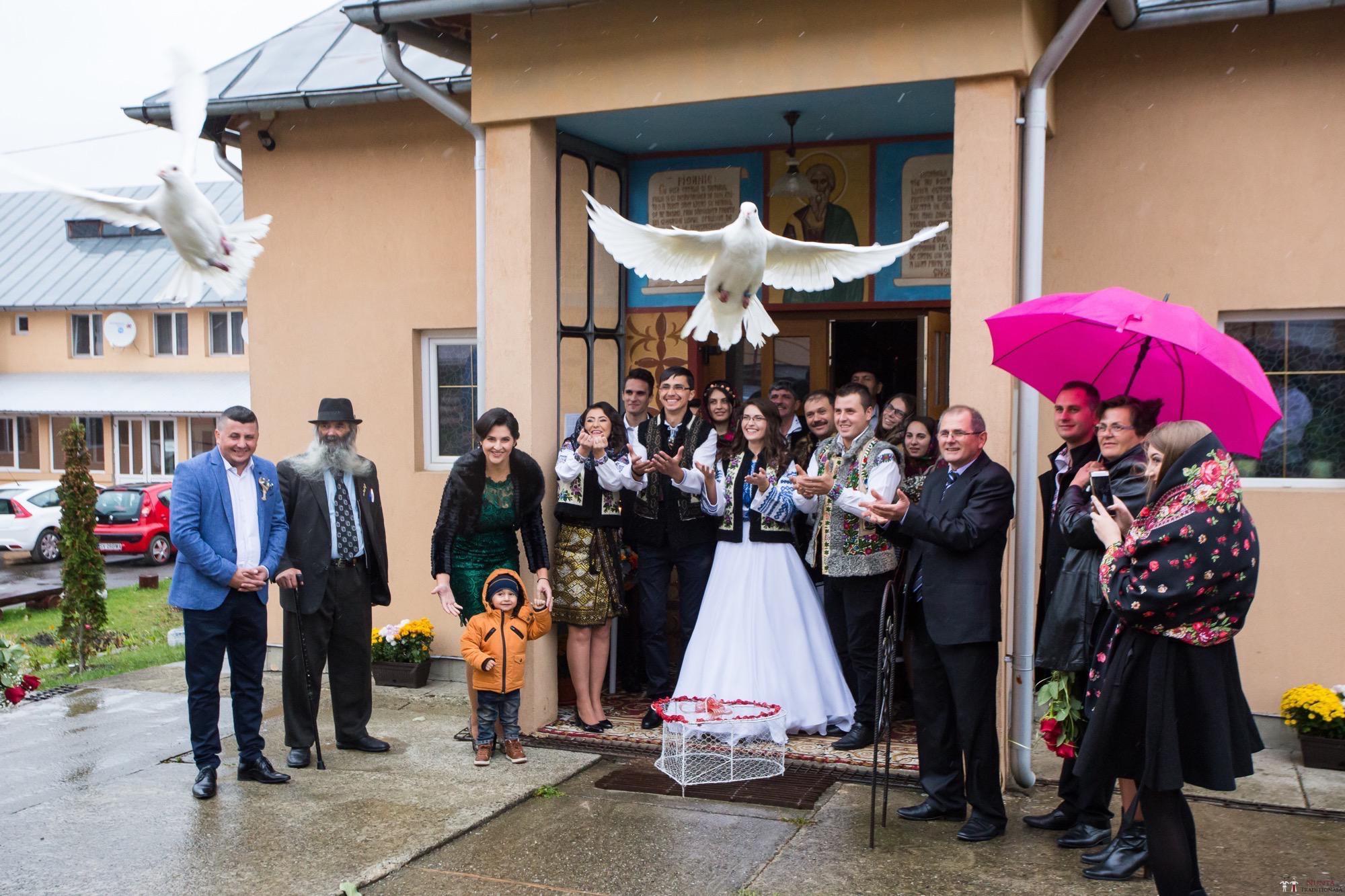Povești Nunți Tradiționale - Ioana-Alexandra și Bogdan-Vasile. Nuntă tradițională în Fălticeni 16