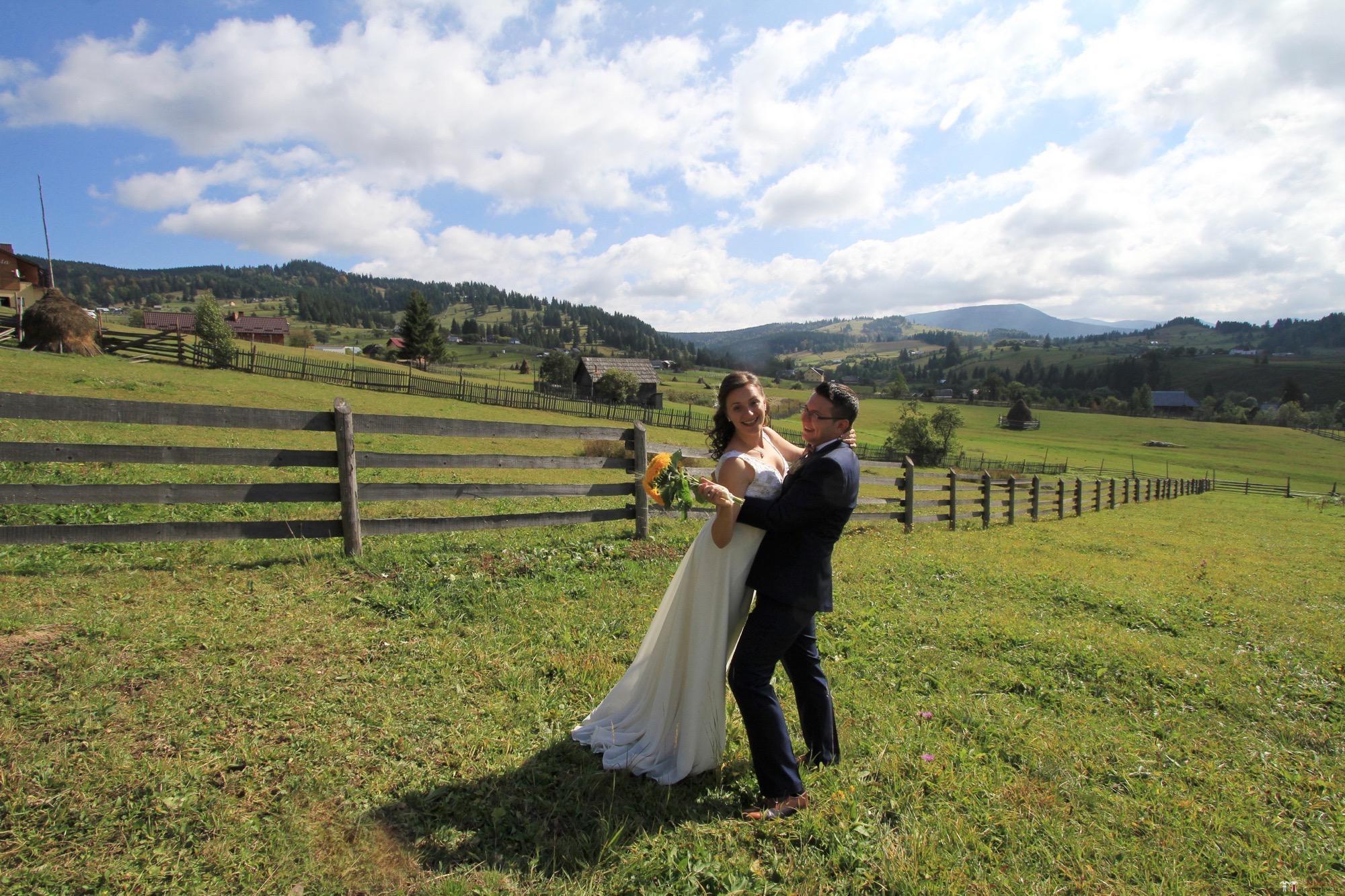 Povești Nunți Tradiționale - Florentina și Daniel. Nuntă tradițională la Poiana Negri 35