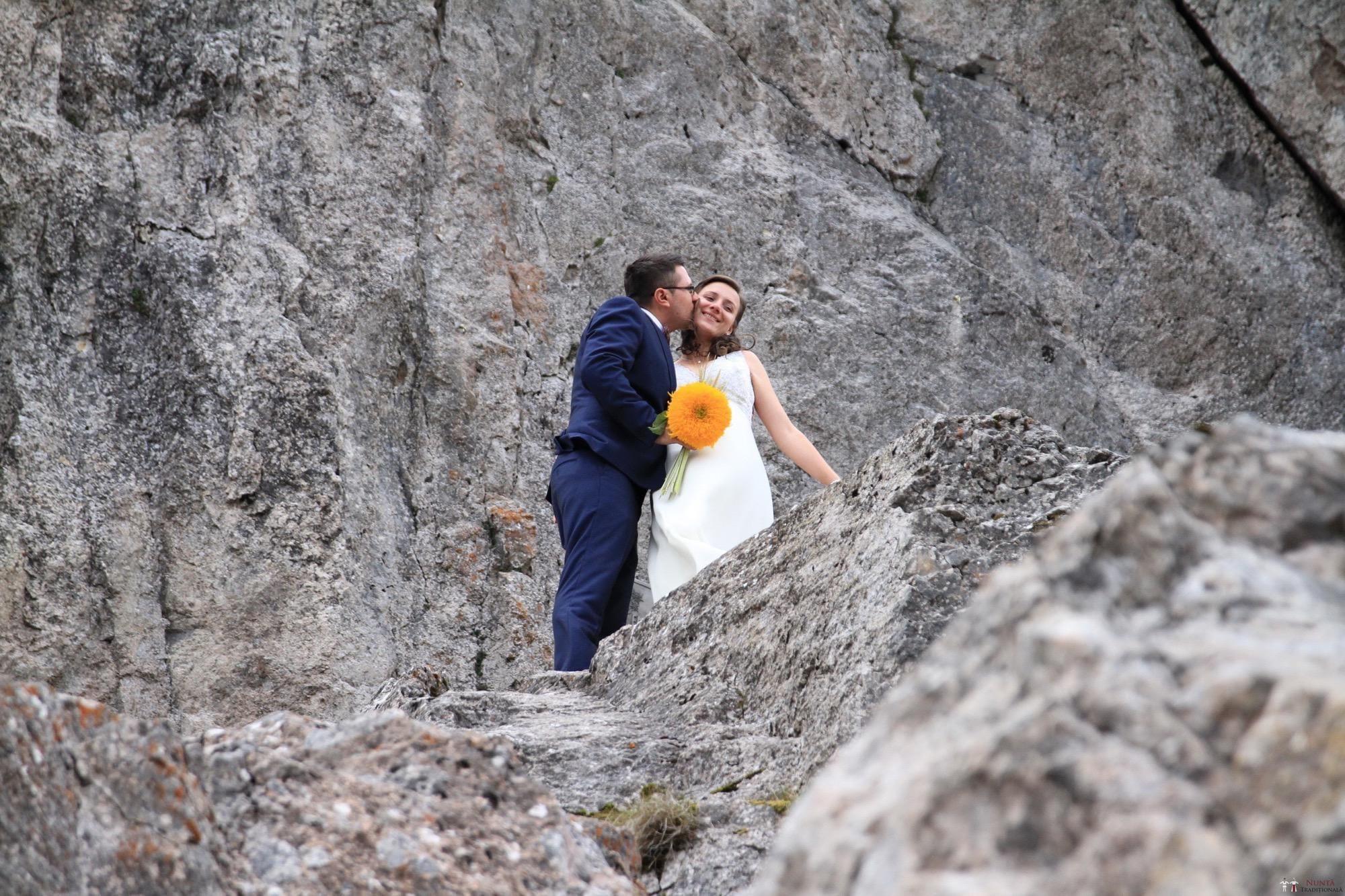Povești Nunți Tradiționale - Florentina și Daniel. Nuntă tradițională la Poiana Negri 42