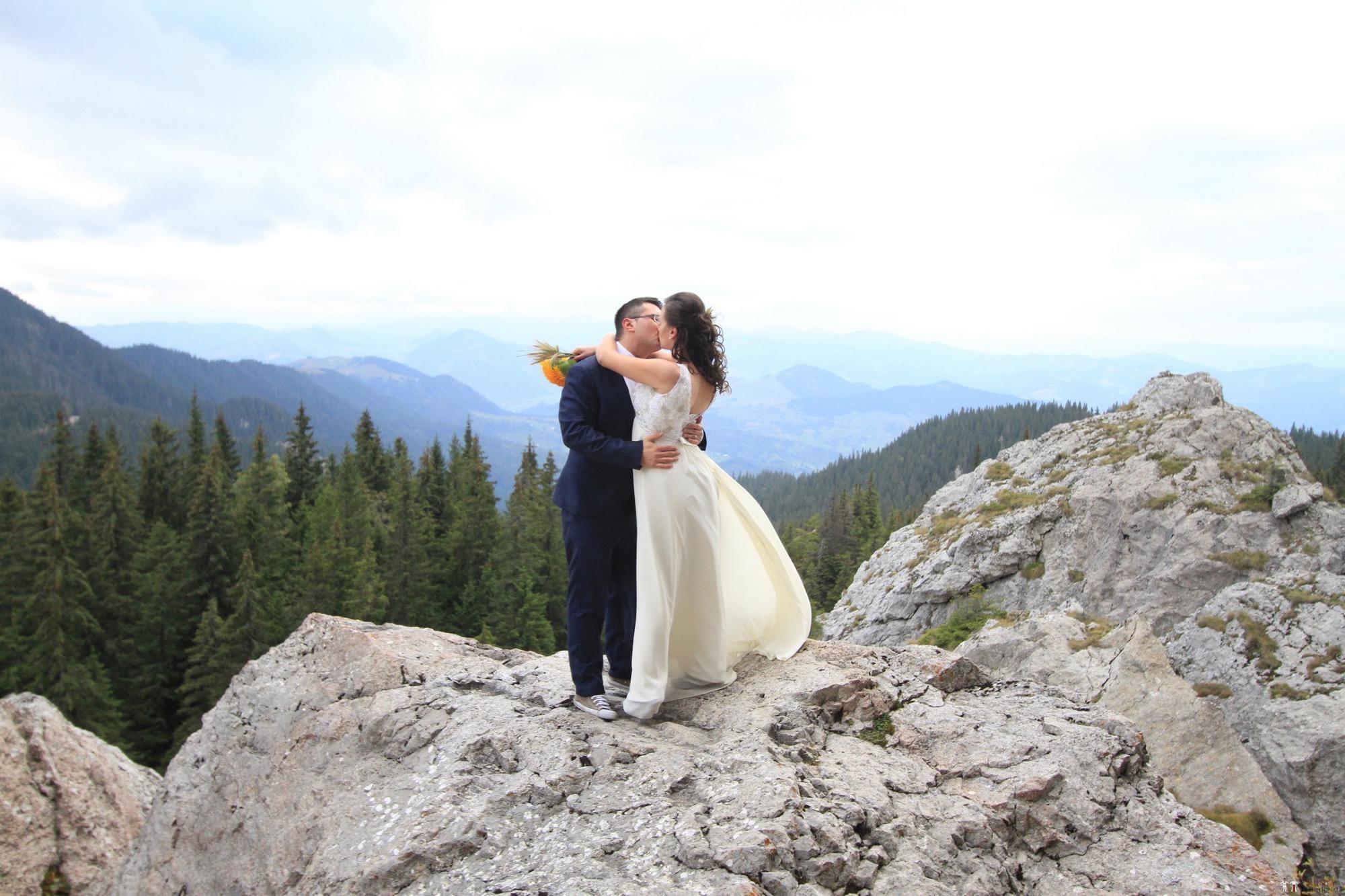 Povești Nunți Tradiționale - Florentina și Daniel. Nuntă tradițională la Poiana Negri 45
