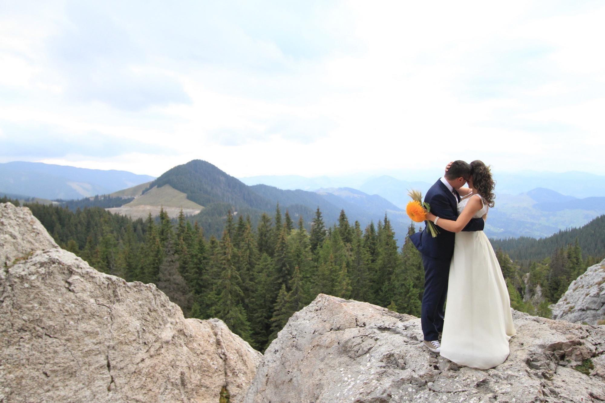 Povești Nunți Tradiționale - Florentina și Daniel. Nuntă tradițională la Poiana Negri 46