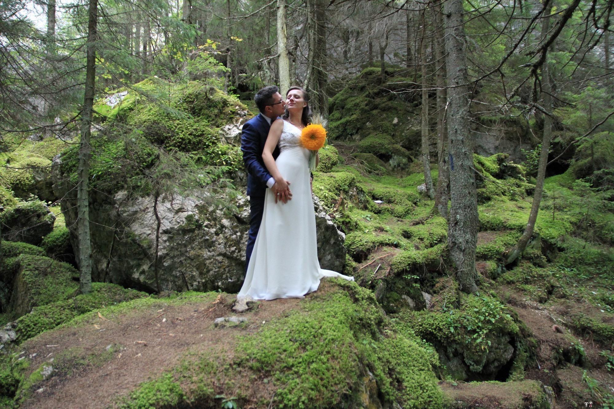 Povești Nunți Tradiționale - Florentina și Daniel. Nuntă tradițională la Poiana Negri 47