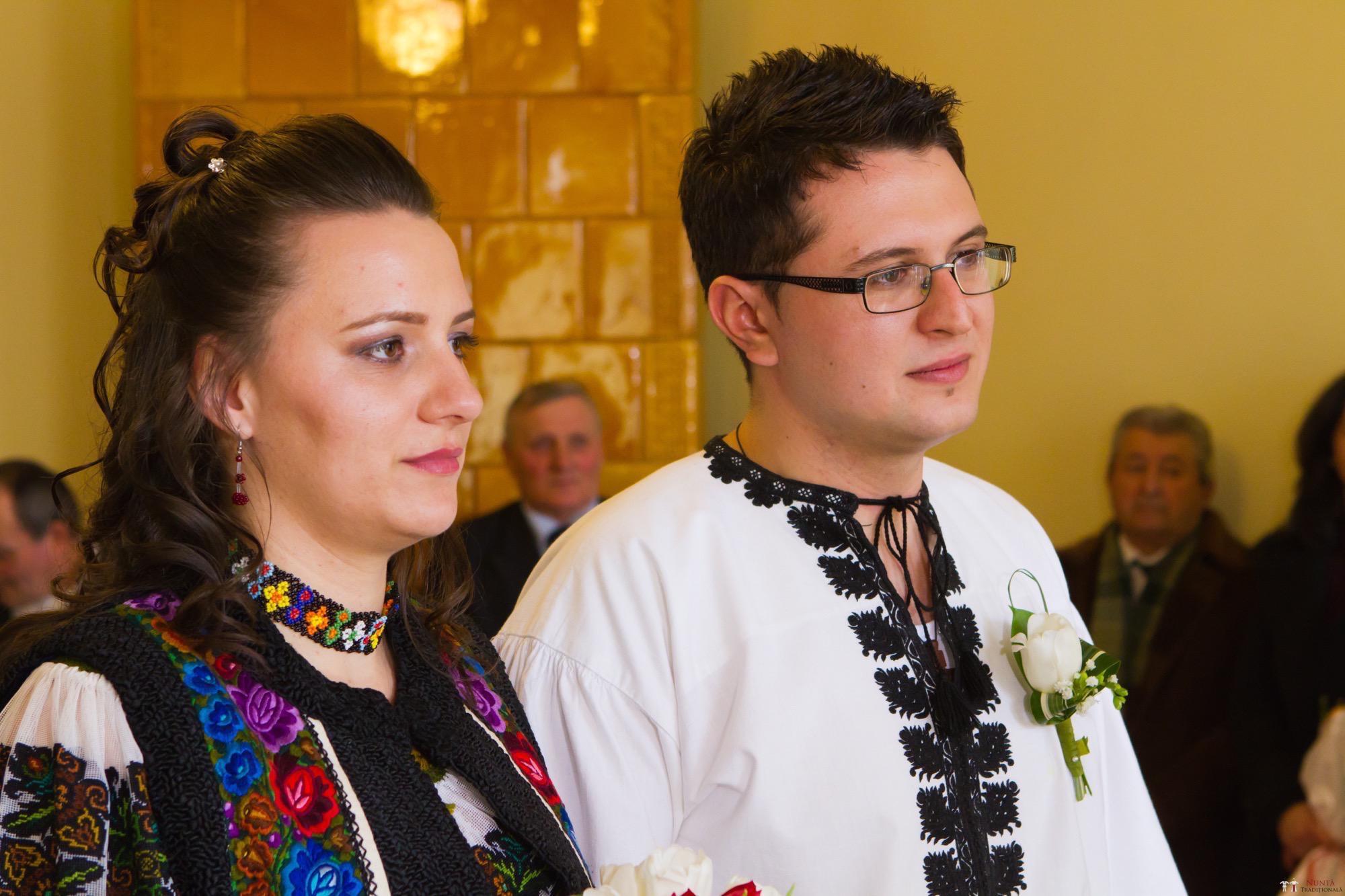 Povești Nunți Tradiționale - Florentina și Daniel. Nuntă tradițională la Poiana Negri 4