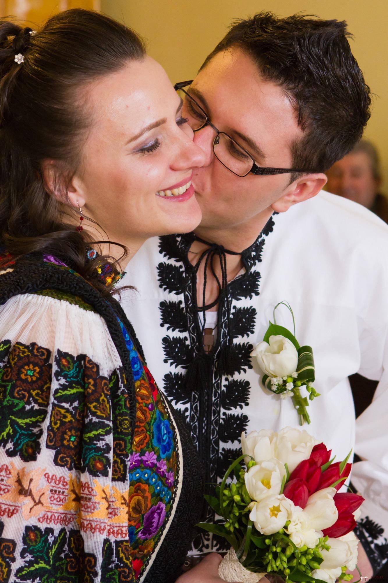 Povești Nunți Tradiționale - Florentina și Daniel. Nuntă tradițională la Poiana Negri 6