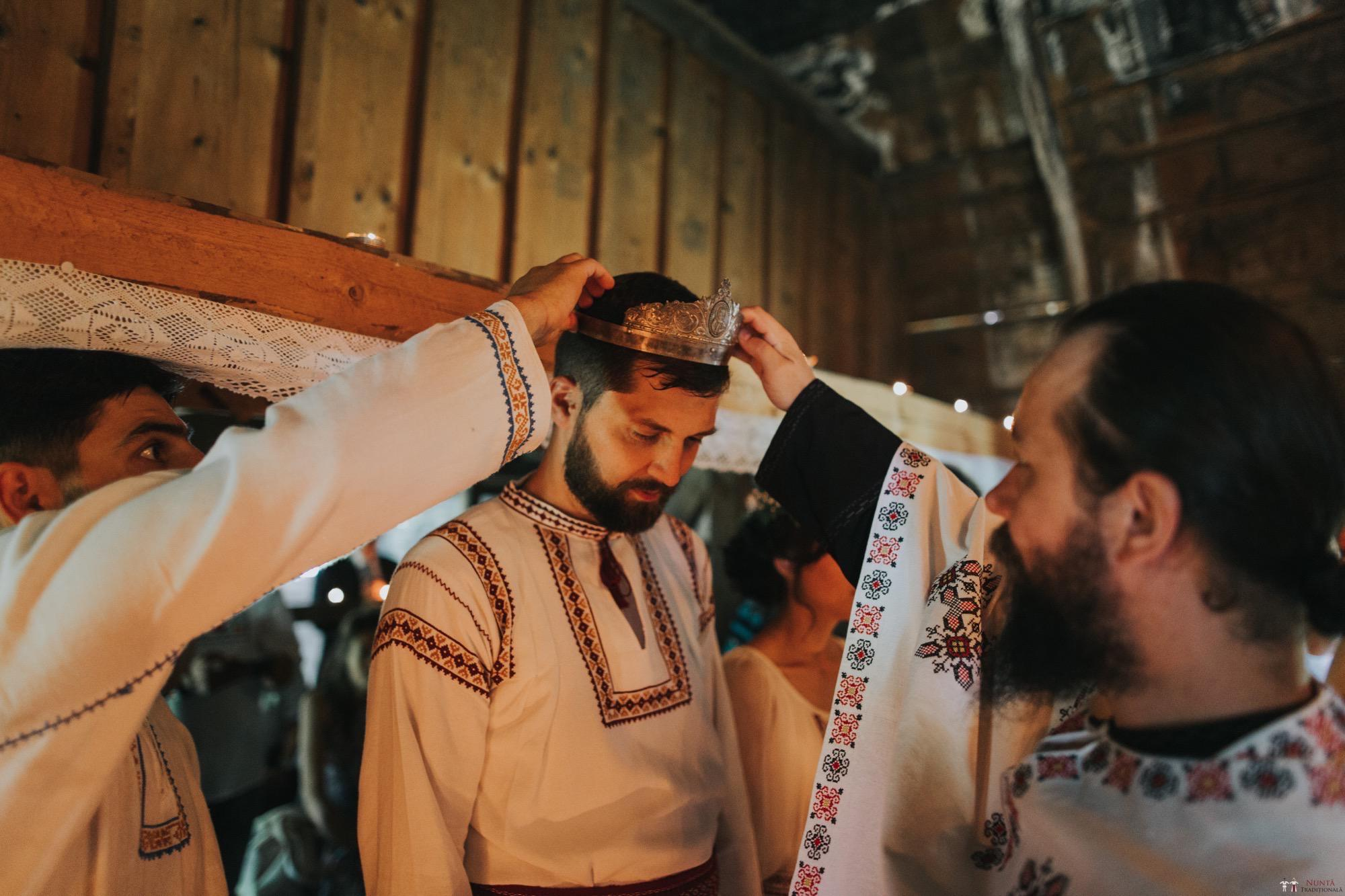 Povești Nunți Tradiționale - Diana și Bogdan. Nuntă tradițională în Găbud, Alba 13