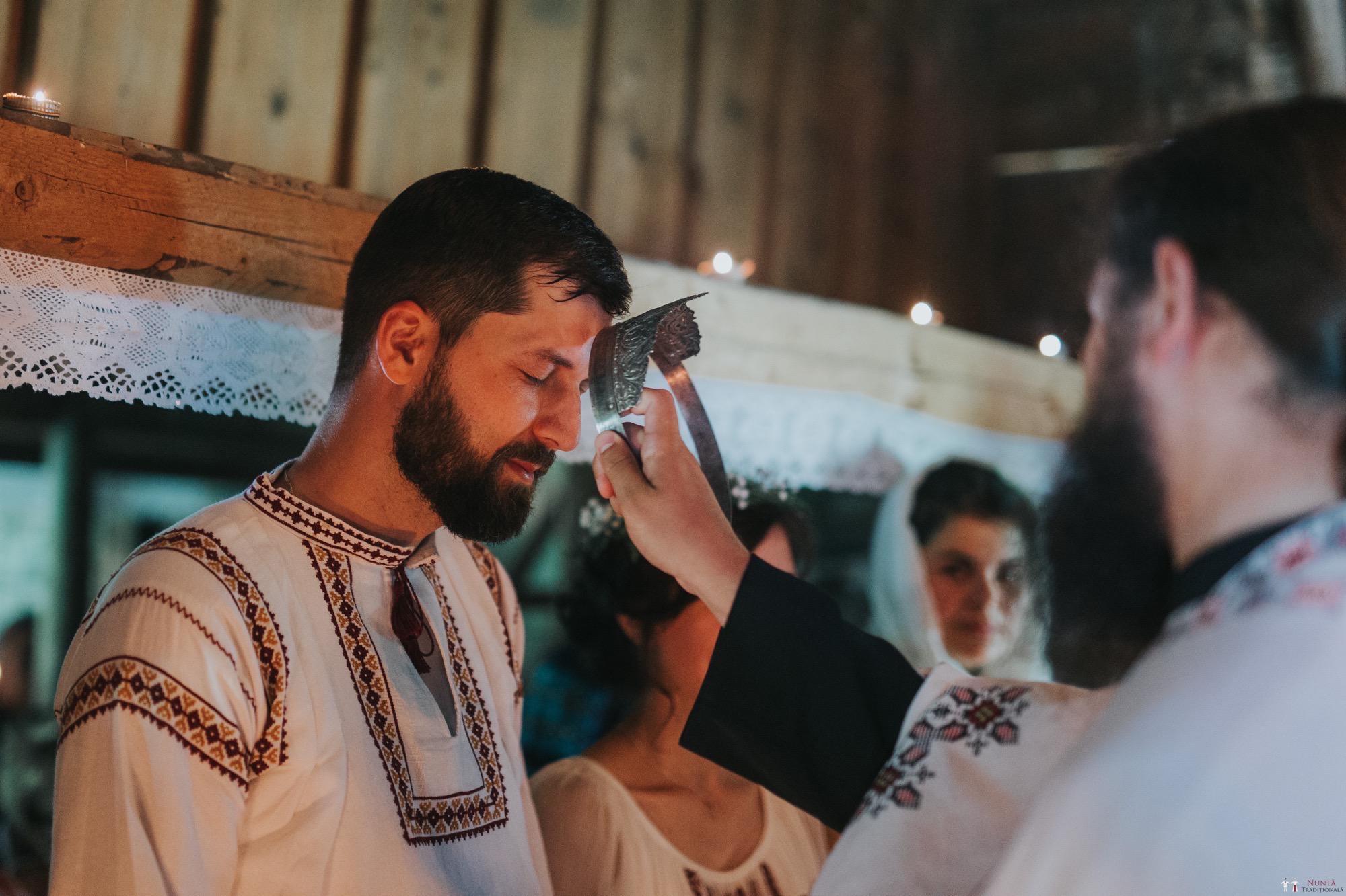 Povești Nunți Tradiționale - Diana și Bogdan. Nuntă tradițională în Găbud, Alba 14