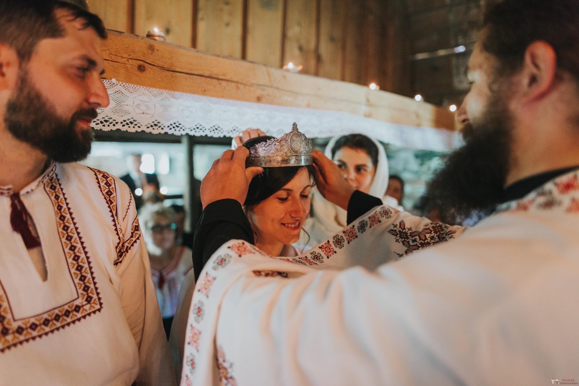 Povești Nunți Tradiționale - Diana și Bogdan. Nuntă tradițională în Găbud, Alba 15
