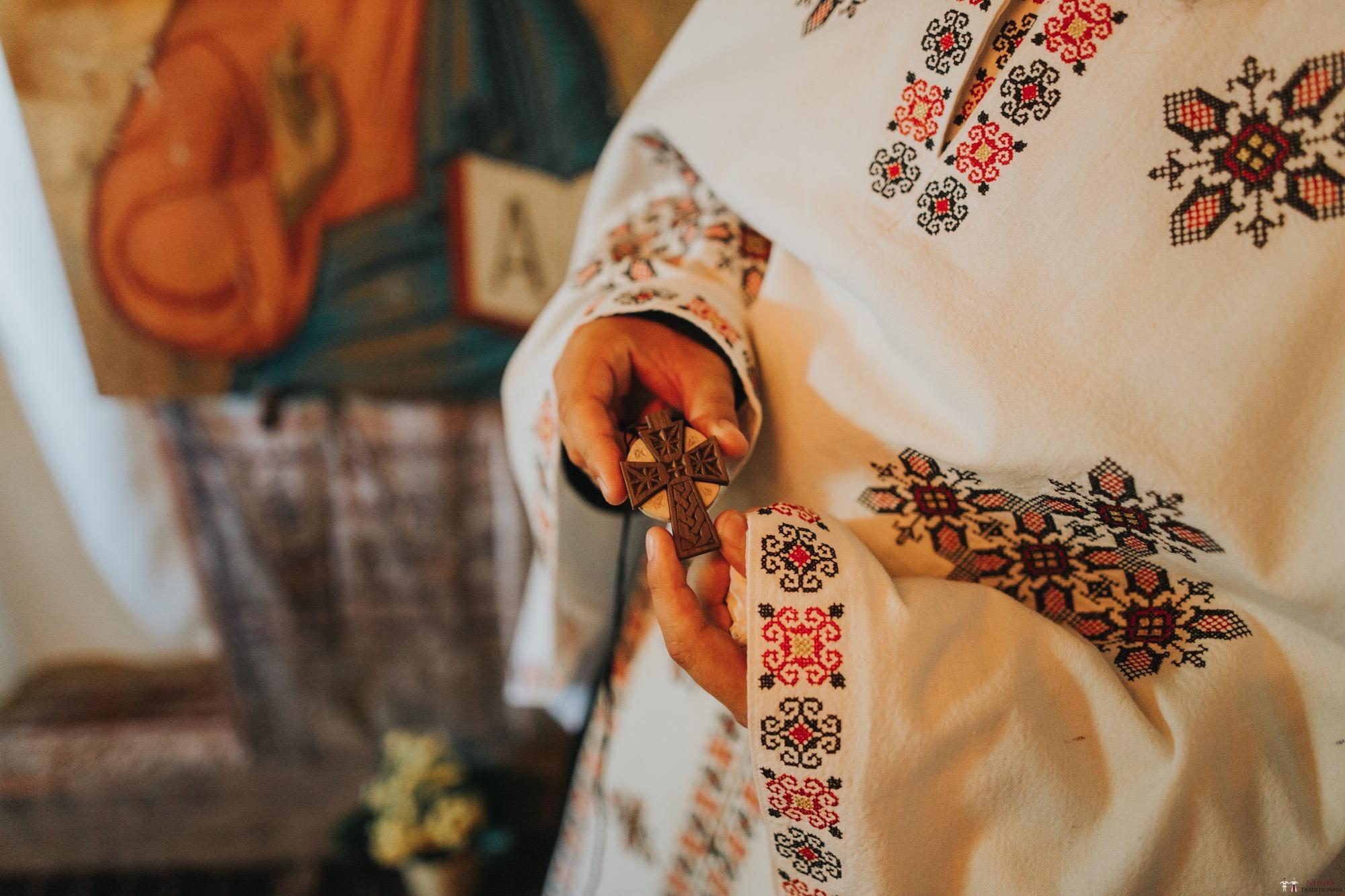 Povești Nunți Tradiționale - Diana și Bogdan. Nuntă tradițională în Găbud, Alba 17