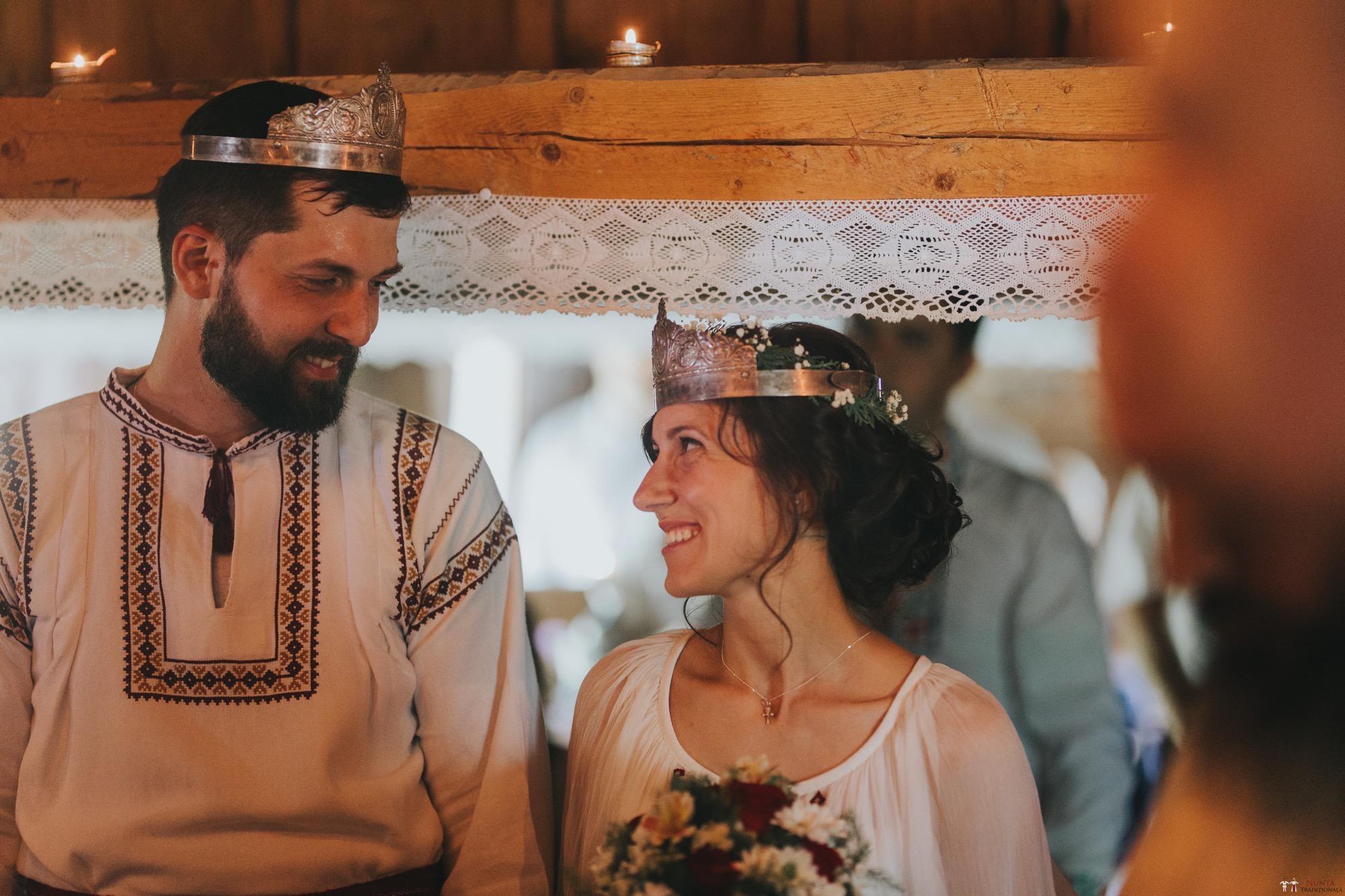 Povești Nunți Tradiționale - Diana și Bogdan. Nuntă tradițională în Găbud, Alba 19