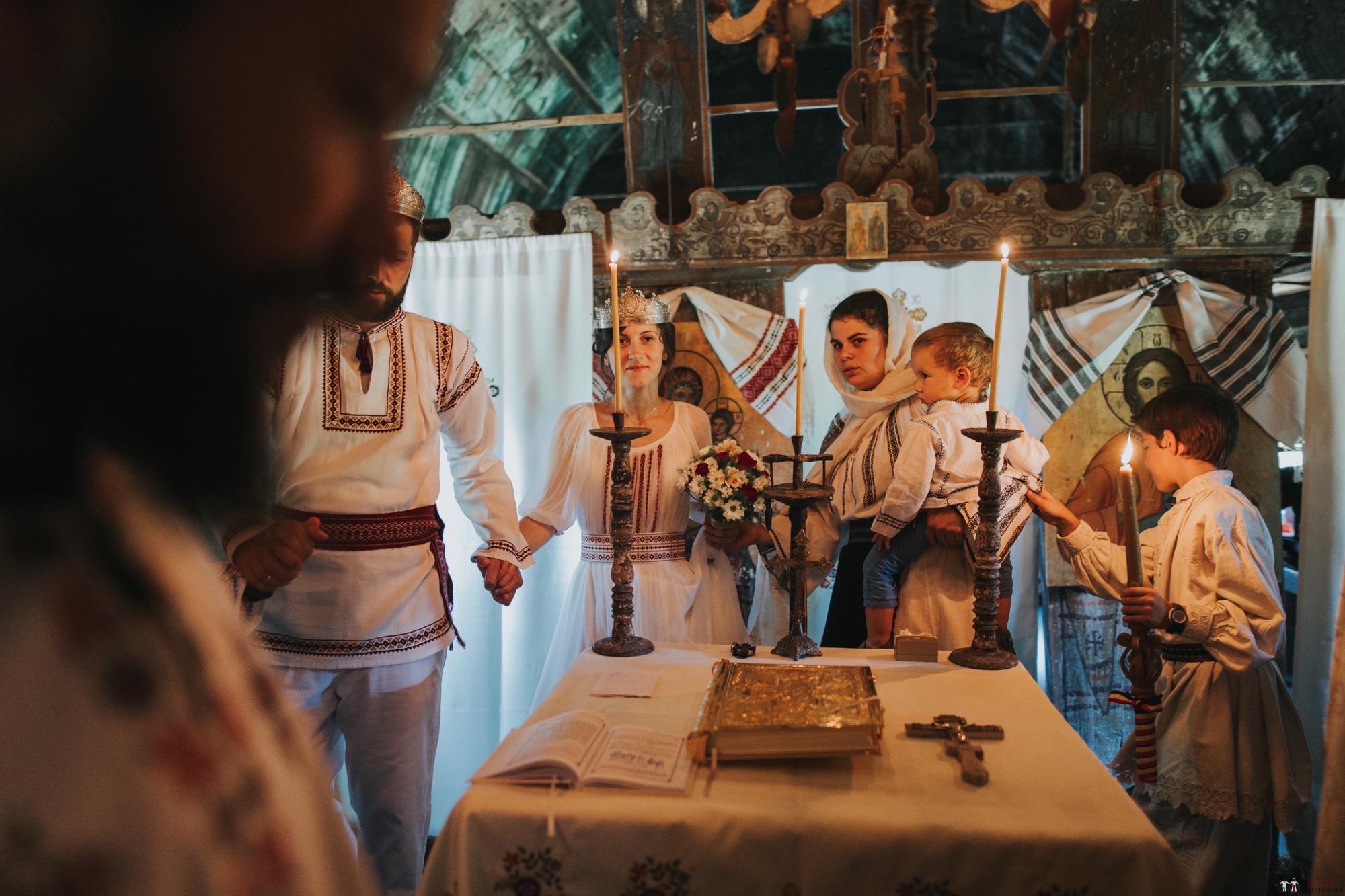 Povești Nunți Tradiționale - Diana și Bogdan. Nuntă tradițională în Găbud, Alba 20
