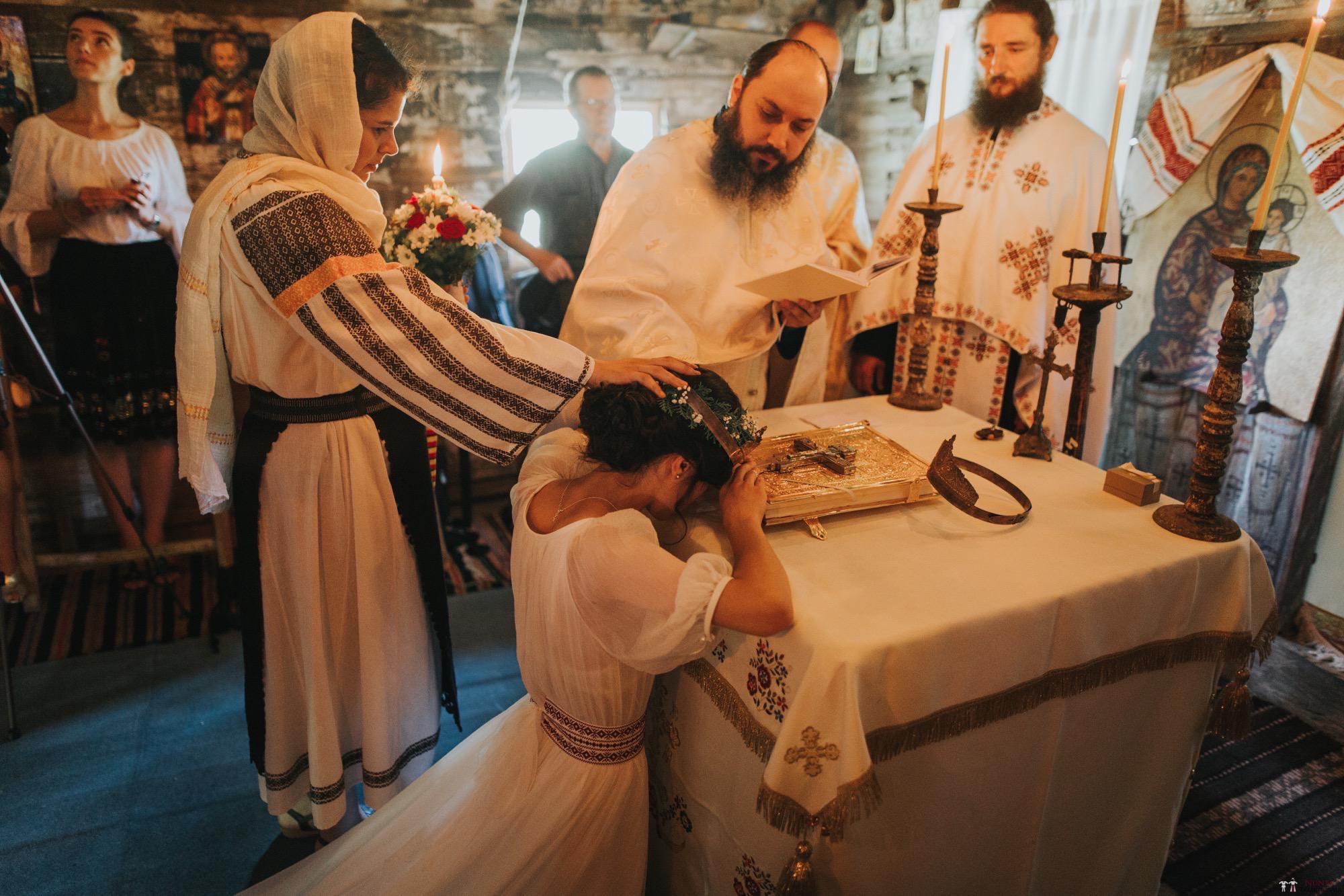 Povești Nunți Tradiționale - Diana și Bogdan. Nuntă tradițională în Găbud, Alba 24