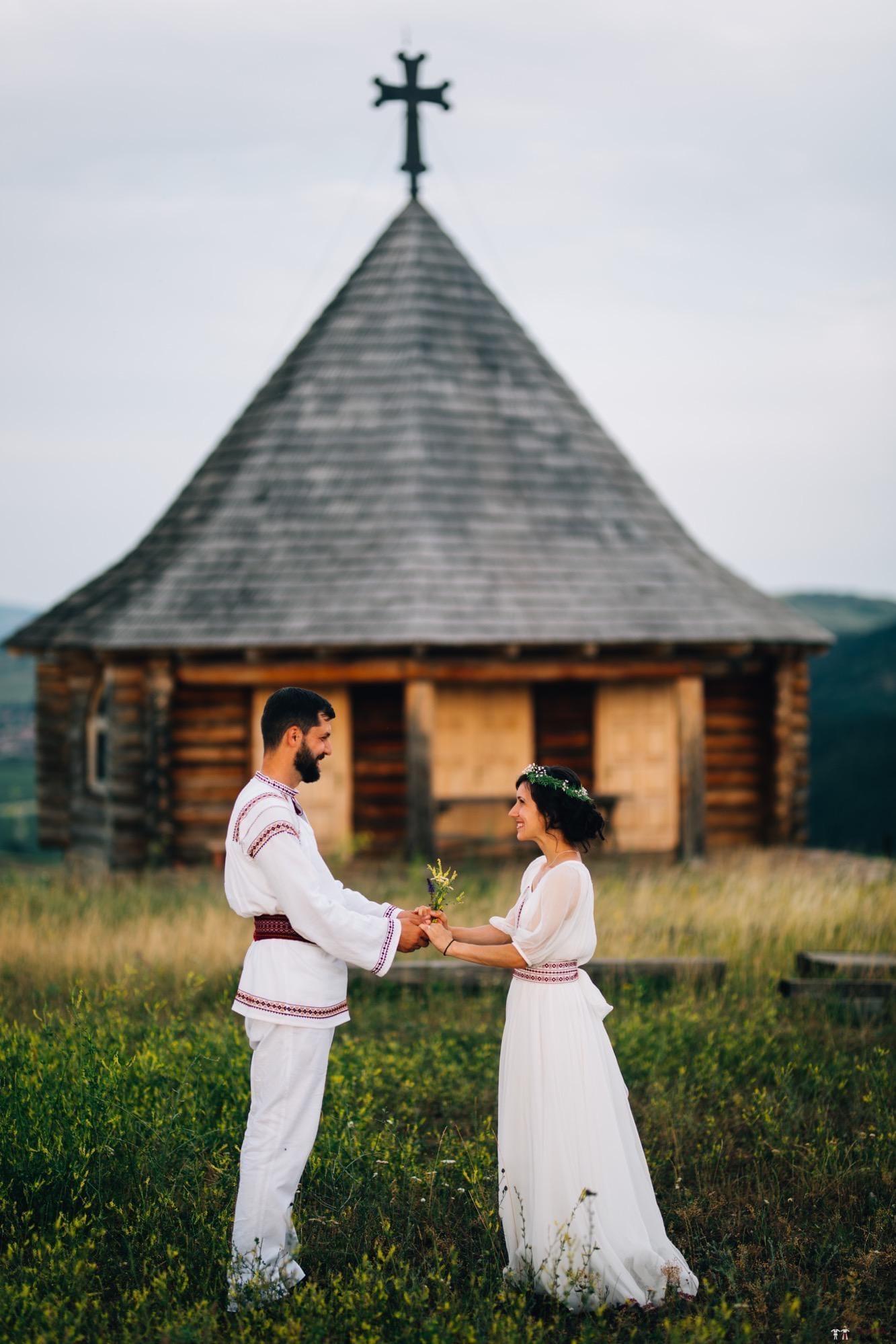 Povești Nunți Tradiționale - Diana și Bogdan. Nuntă tradițională în Găbud, Alba 27