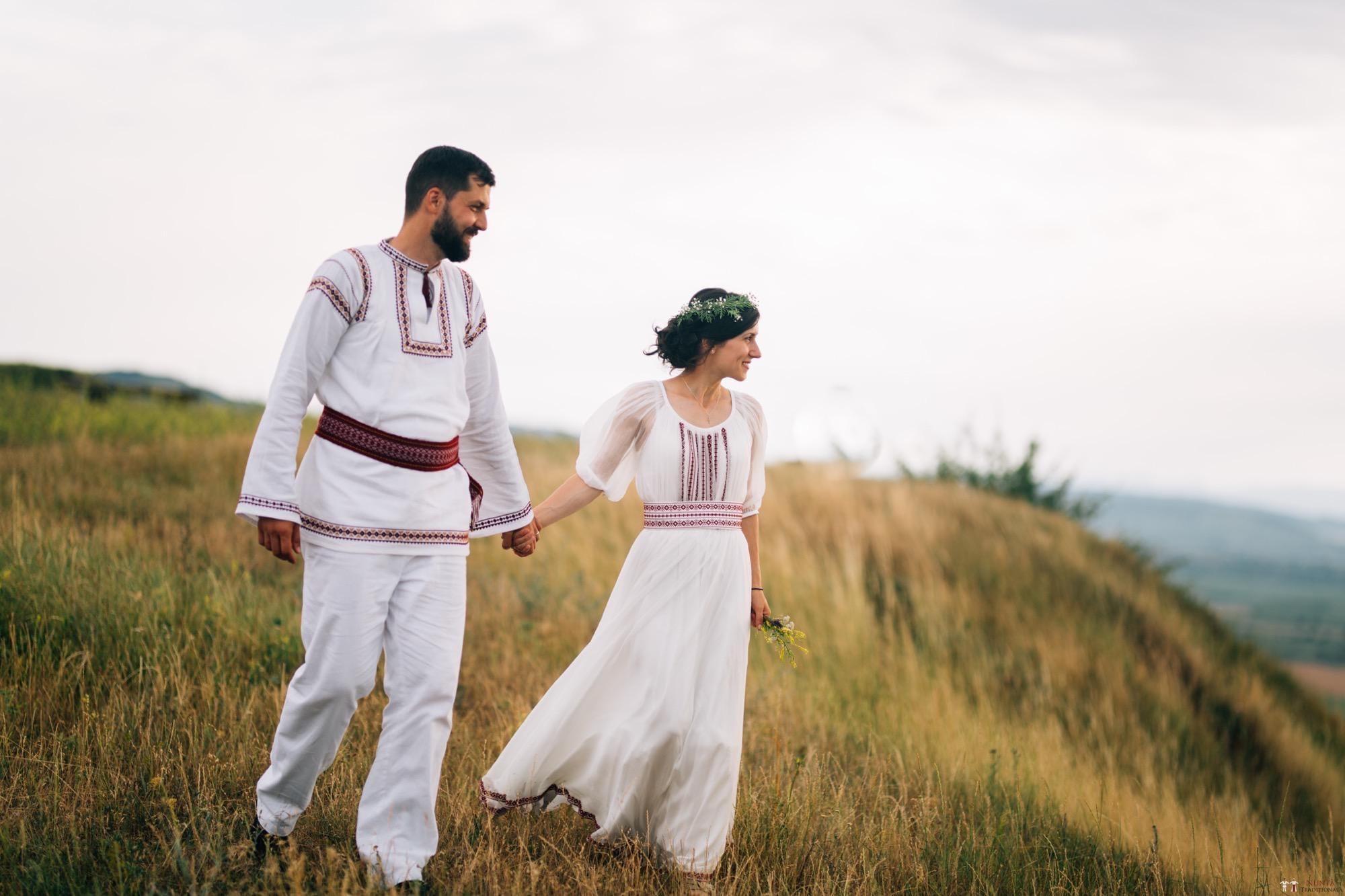 Povești Nunți Tradiționale - Diana și Bogdan. Nuntă tradițională în Găbud, Alba 29