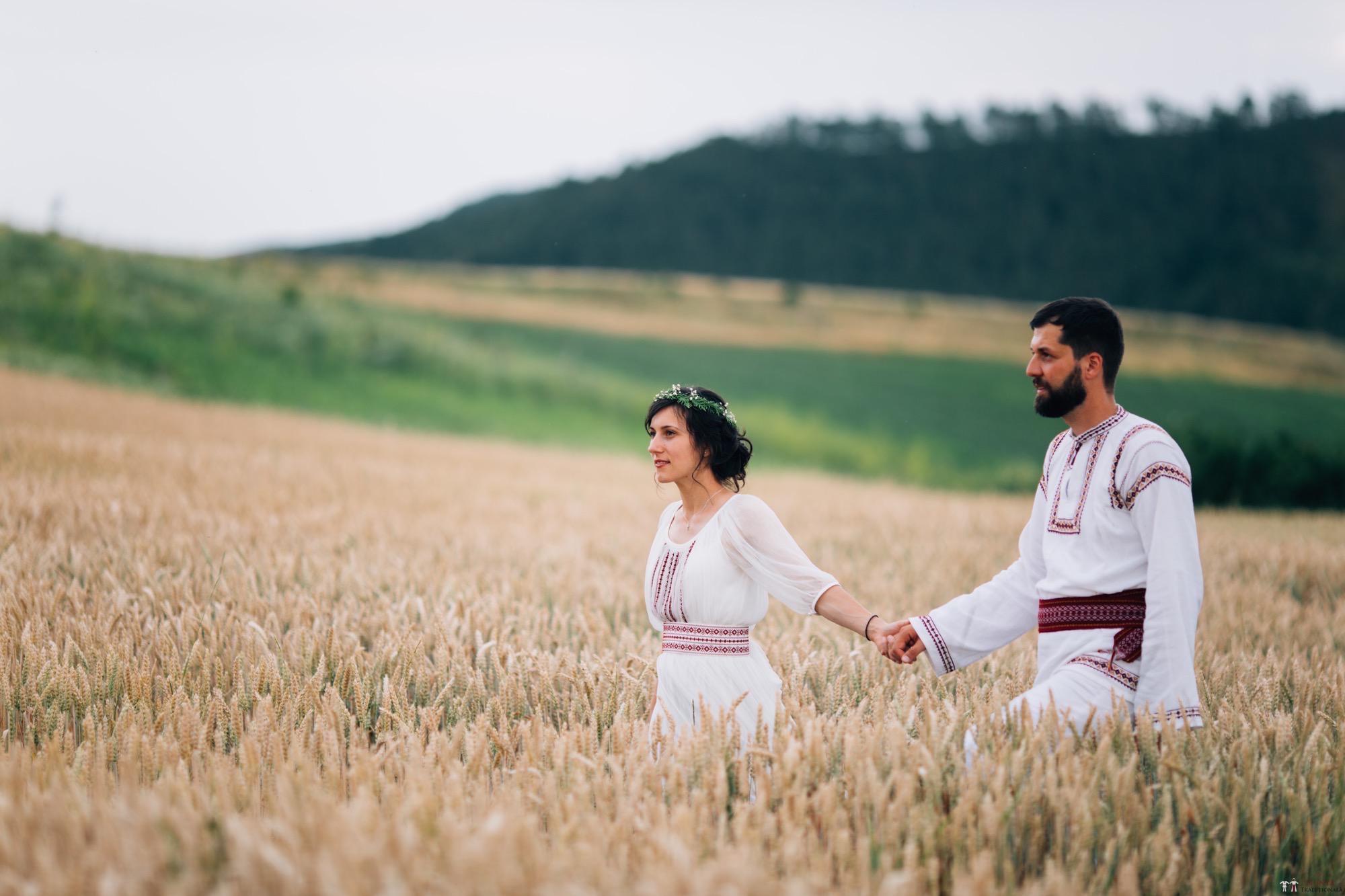 Povești Nunți Tradiționale - Diana și Bogdan. Nuntă tradițională în Găbud, Alba 33