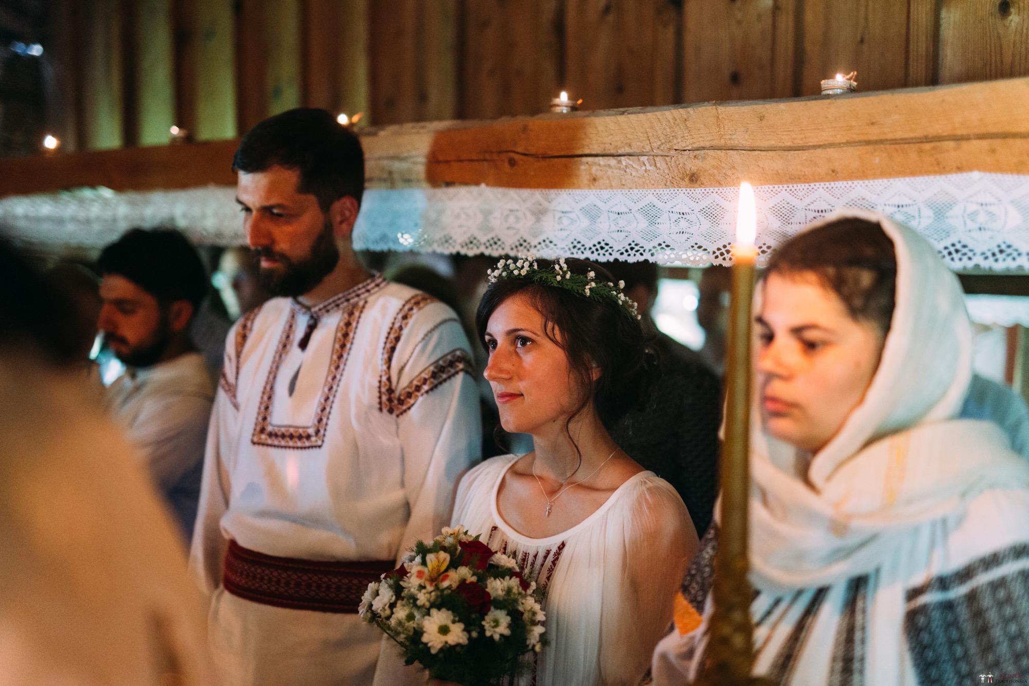 Povești Nunți Tradiționale - Diana și Bogdan. Nuntă tradițională în Găbud, Alba 4