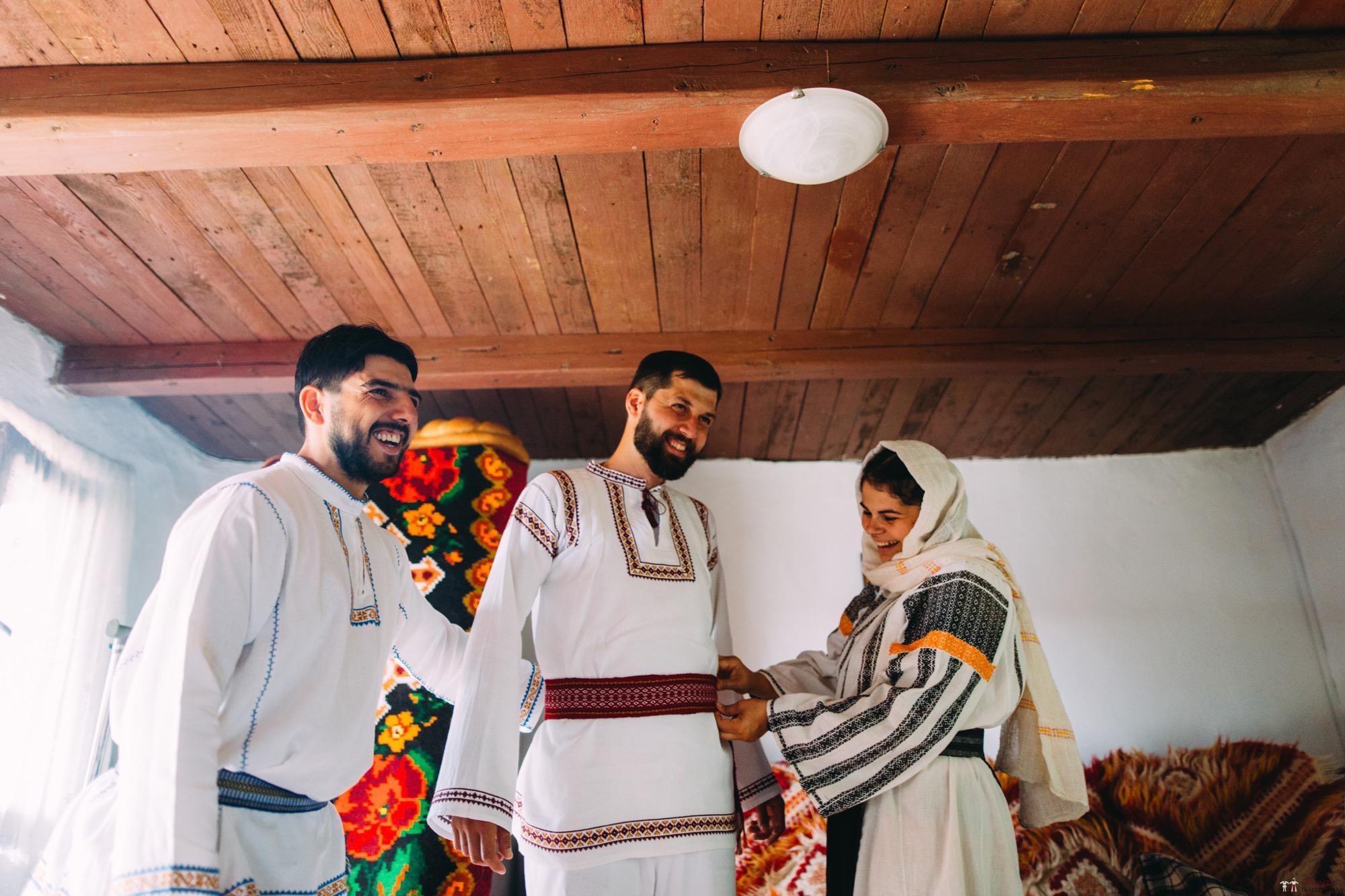 Povești Nunți Tradiționale - Diana și Bogdan. Nuntă tradițională în Găbud, Alba 51