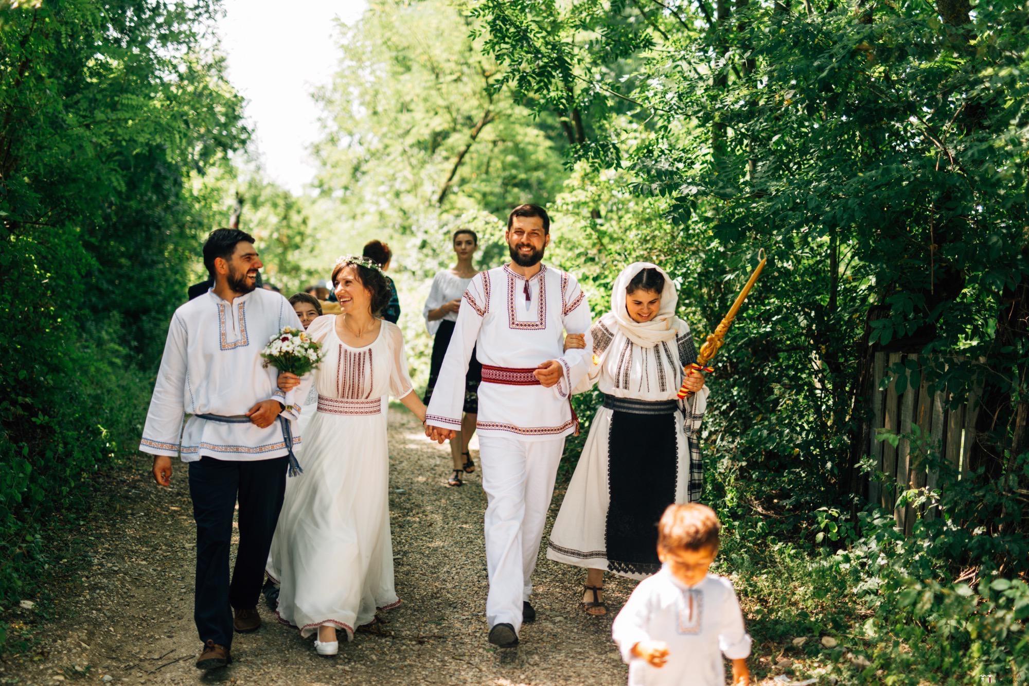 Povești Nunți Tradiționale - Diana și Bogdan. Nuntă tradițională în Găbud, Alba 59