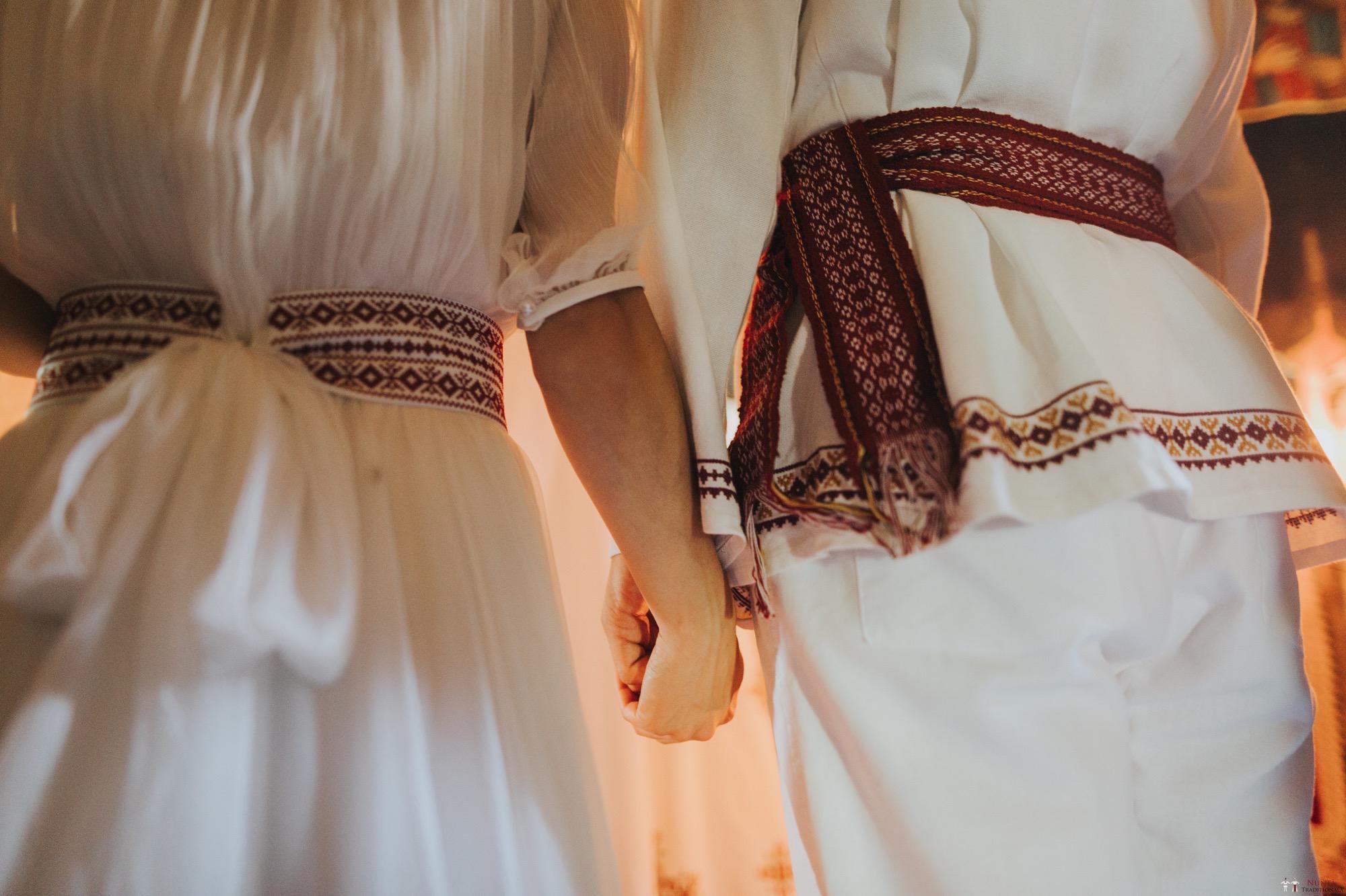 Povești Nunți Tradiționale - Diana și Bogdan. Nuntă tradițională în Găbud, Alba 6