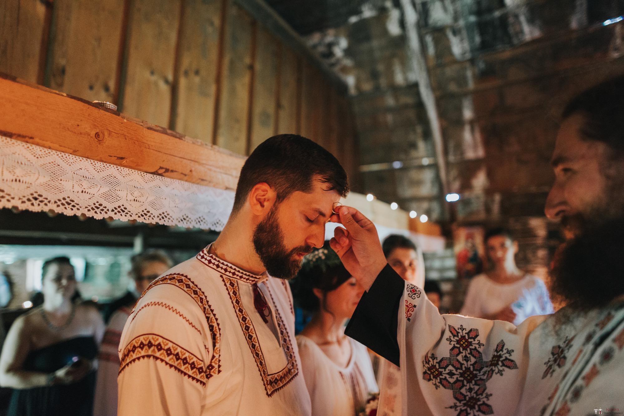 Povești Nunți Tradiționale - Diana și Bogdan. Nuntă tradițională în Găbud, Alba 7